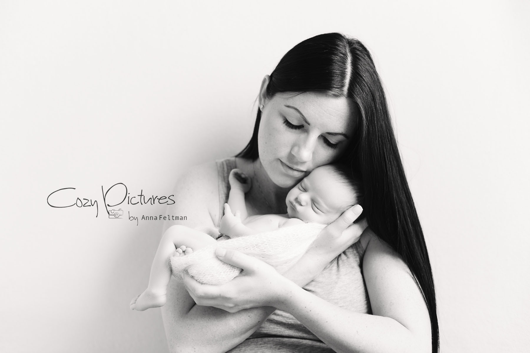 Orlando Newborn Photographer_21_BW.jpg