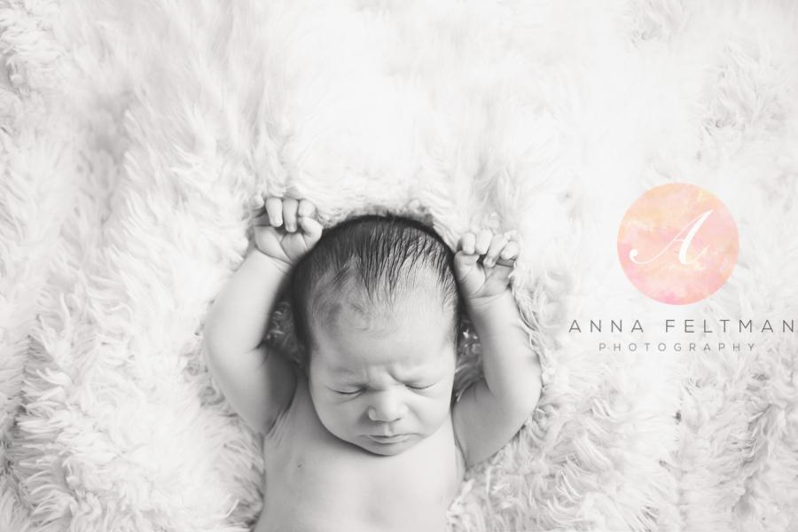 Black and White Orlando newborn.jpg