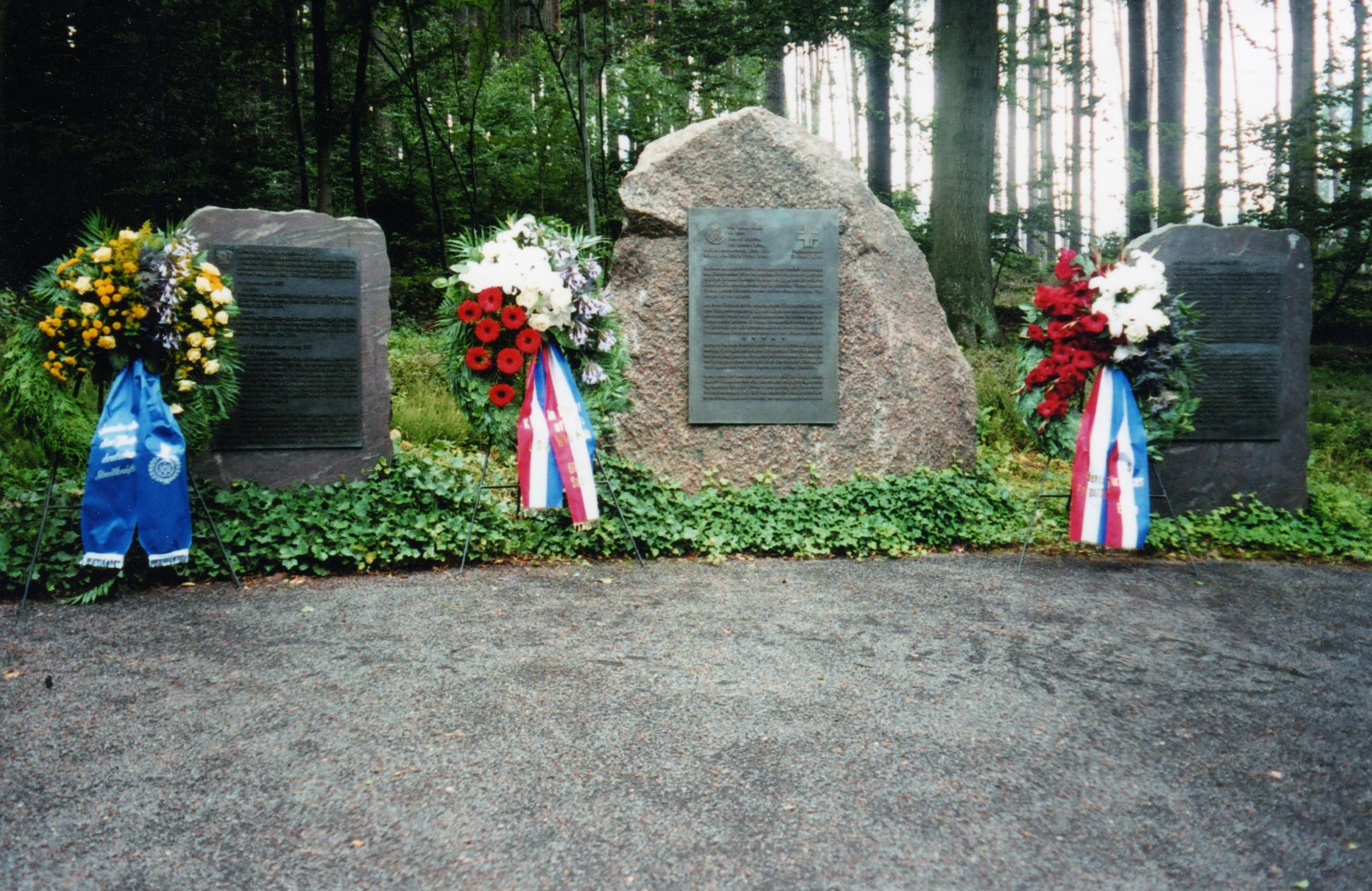 Memorial 2006