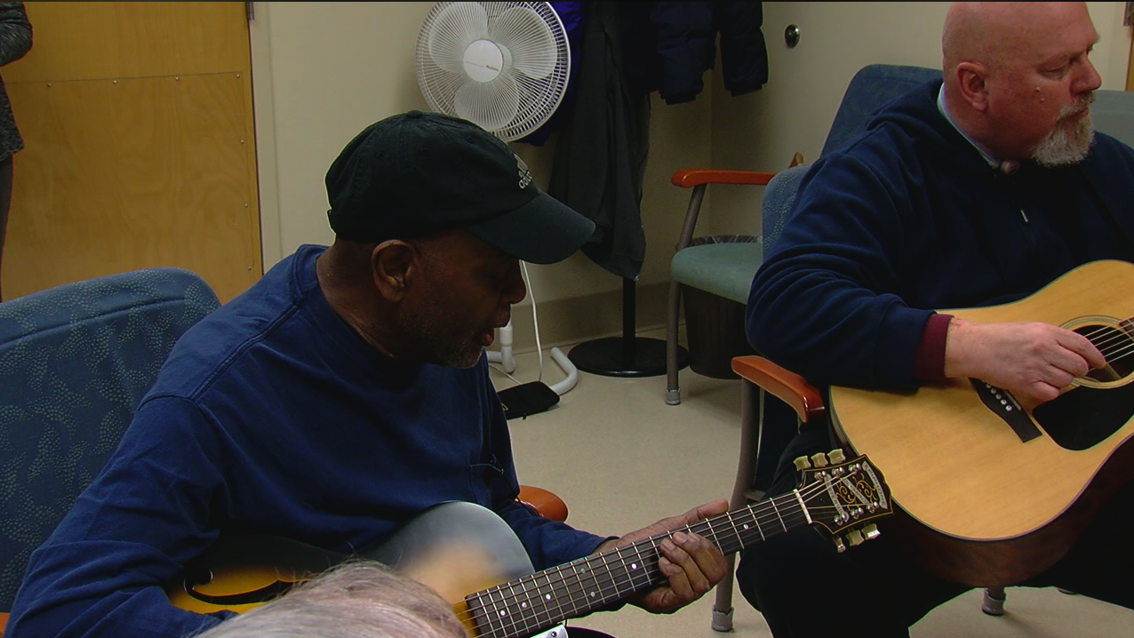 These music lessons are about much more than learning guitar. They're putting the healing power of music in the hands of heroes. (WKRC)