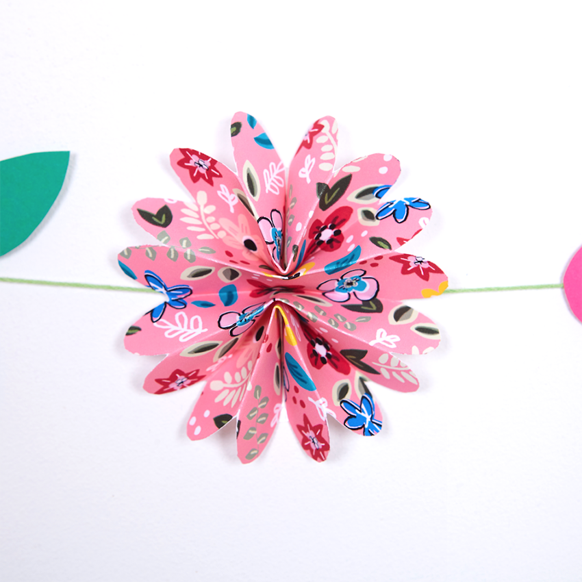 Paper Garland download - Pink by  Natalie Lea Owen