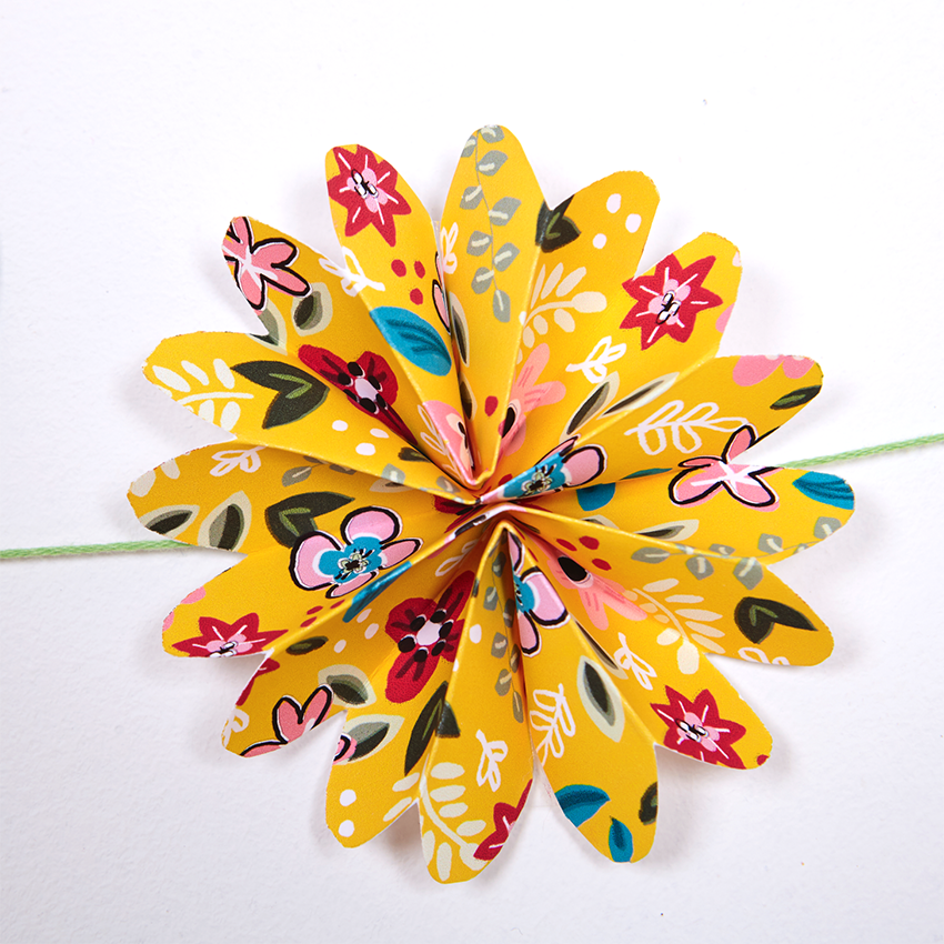 Paper Garland download - Yellow by  Natalie Lea Owen