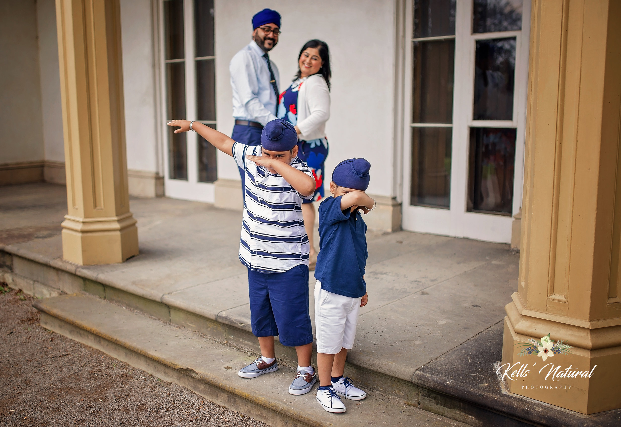 Family photos at Dundurn Castle DAB.jpeg