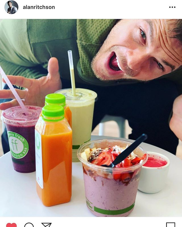 Pretty stoked that @alanritchson  aka Hank from Titans AKA Gloss from Thur Hunger Games joined us for breakfast today!!! We can barely contain ourselves! HOW COOL! 🌱🍓🥒🍍🥕 . . . . #formulafresh #freshisbest #foodfuel #happy #healthy #smoothies #coldpressedjuice #acaibowl #fruit #fresh #alanritchson #thehungergames