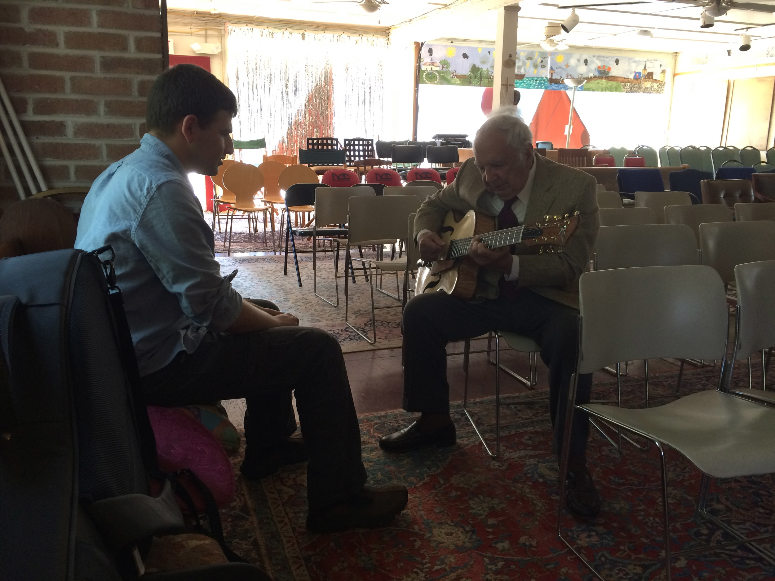 Bucky Pizzarelli trying out the new guitar