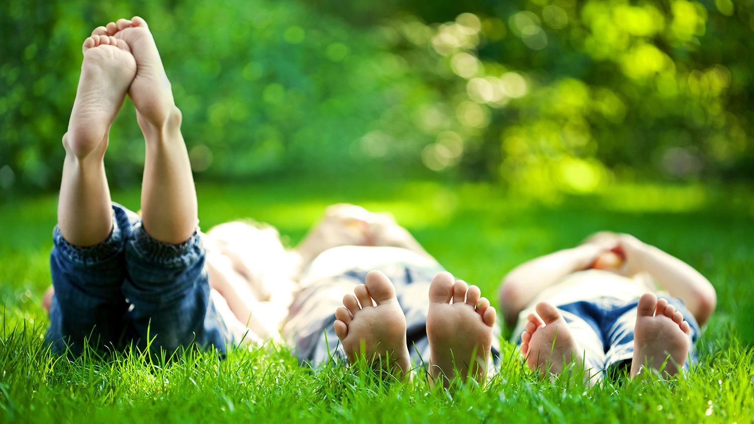 04 Kids Legs in Green Grass.jpg