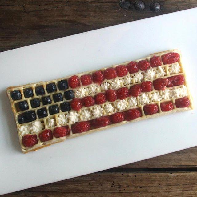 Thank you veterans for your service! #memorialdayweekend #memorialday #veterans #america #americanflag #flagwaffle #americanwaffle #memorialdaywaffles #keyboardwafes #ctrlaltdelicious
