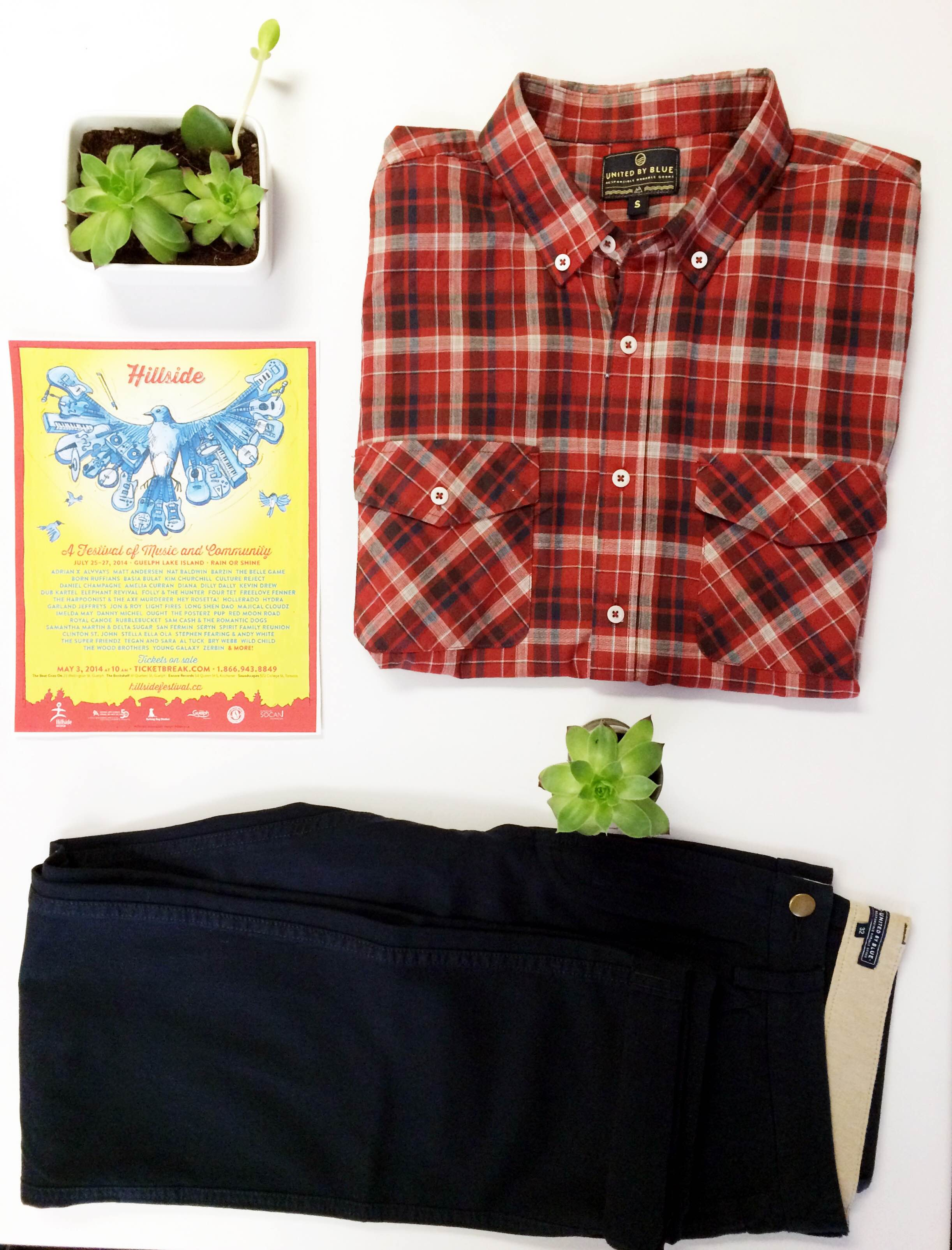 2014 Hillside was all about primary colours, so we are too! For the cooler nights, we're featuring United By Blue's plaid button down shirt and their twill pants. Both items are 100% organic cotton, so you'll feel cool but still warm.