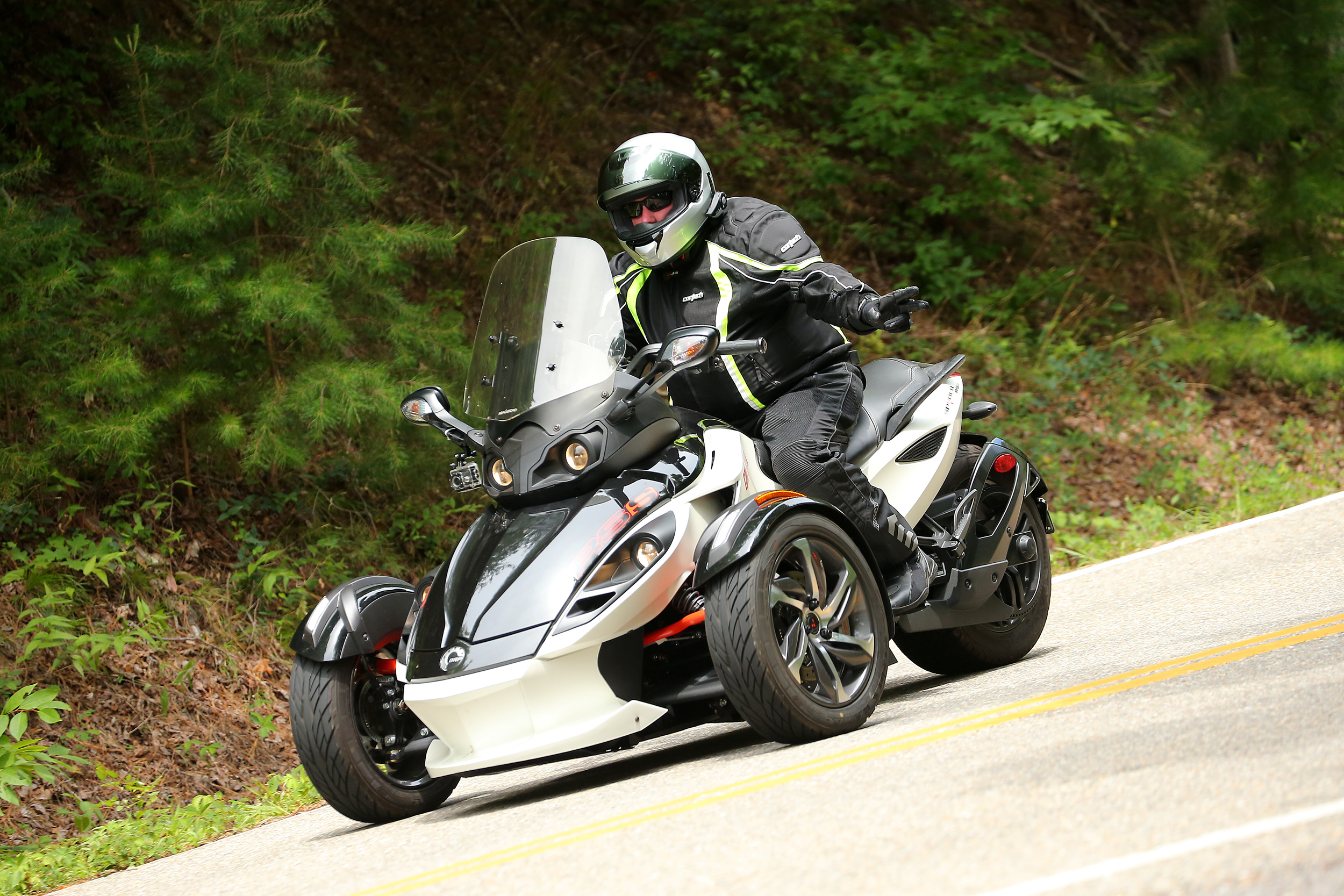 Jon getting it done on the Tail of the Dragon!
