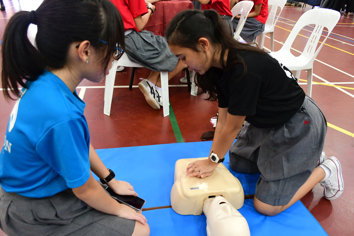 Showing how Cardio-Pulmonary Resuscitation (CPR) is done