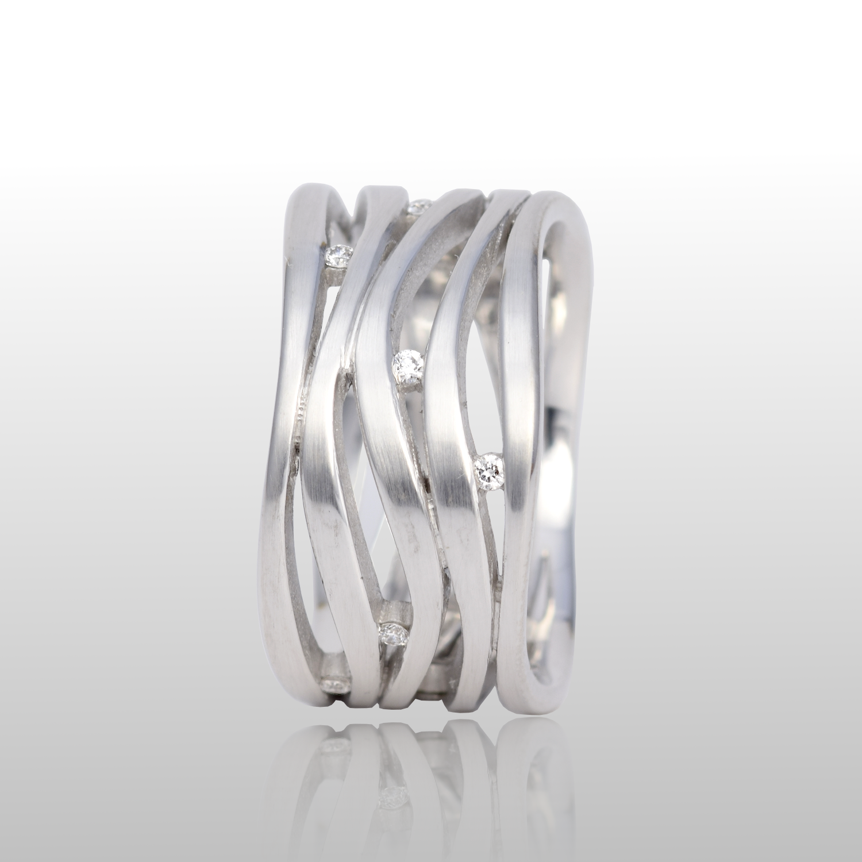 Platinum Wave Ring 'Lamello 5' with Diamonds by Pratima Design Fine Art Jewelry