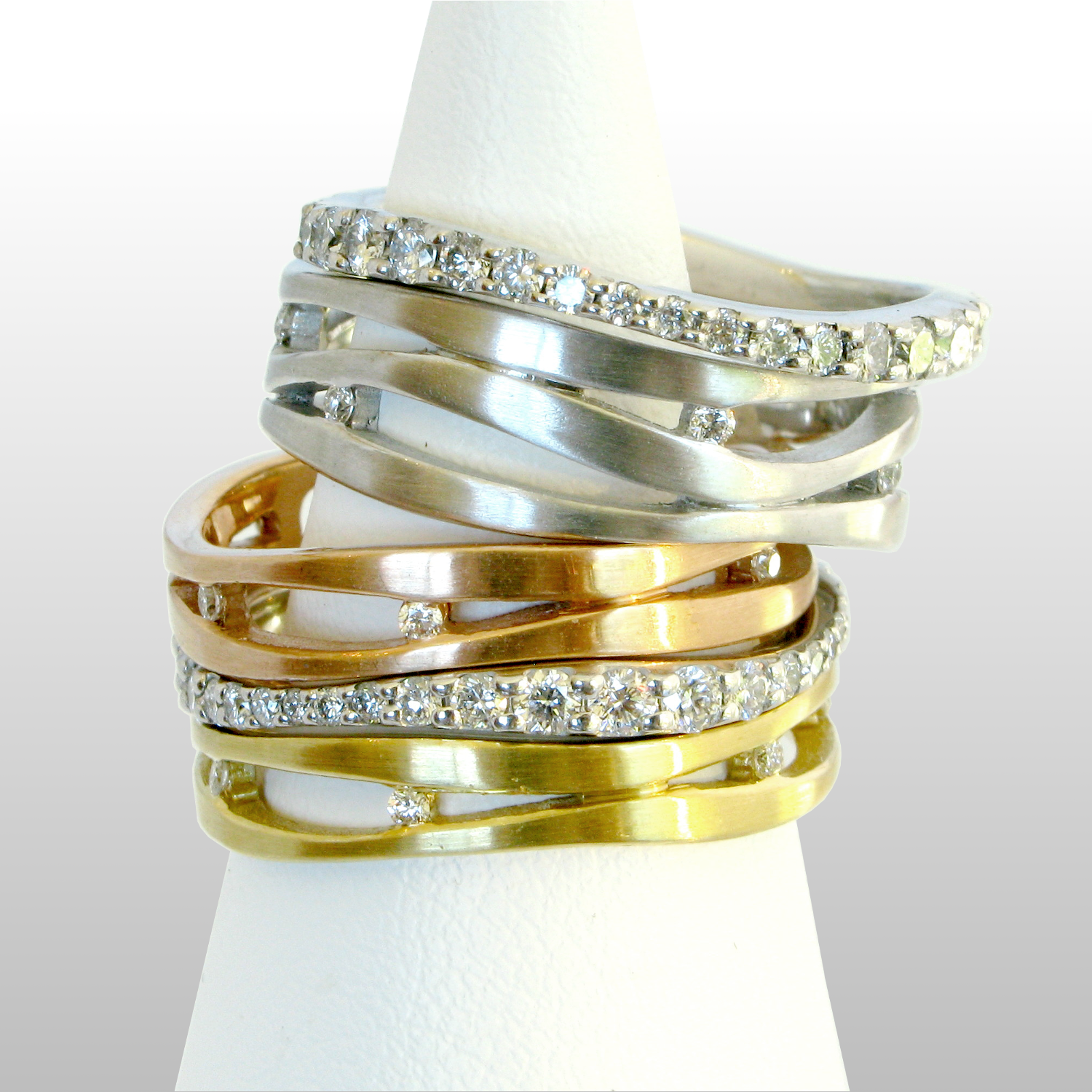 Stacking wedding rings 'Lamello' with diamonds in 18k yellow, white and rose gold or platinum by Pratima Design Fine Art Jewelry