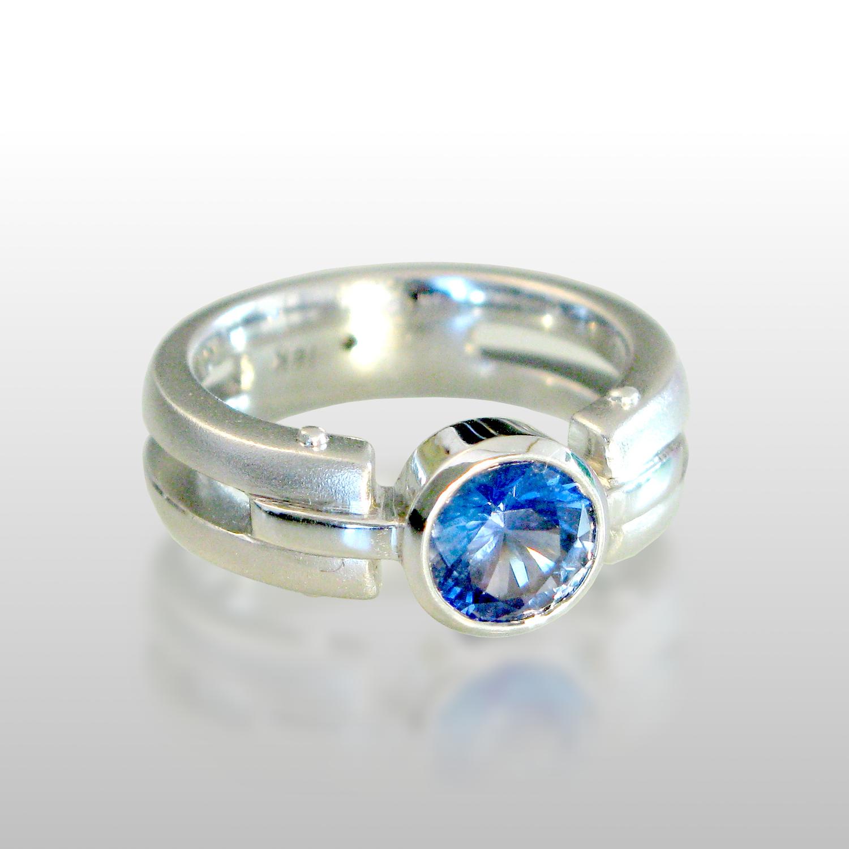 Contemporary 18k white gold ring 'Millennium' with blue sapphire by Pratima Design Fine Art Jewelry