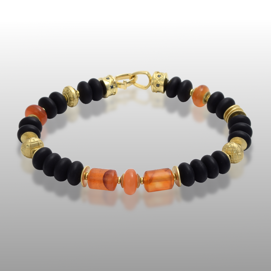 Bracelet 'Hawaii' with 18k Gold, Carnelian and Onyx Beads, 18k Gold Signature Clasp with black Diamonds by Pratima Design Fine Art Jewelry Maui, Hawaii