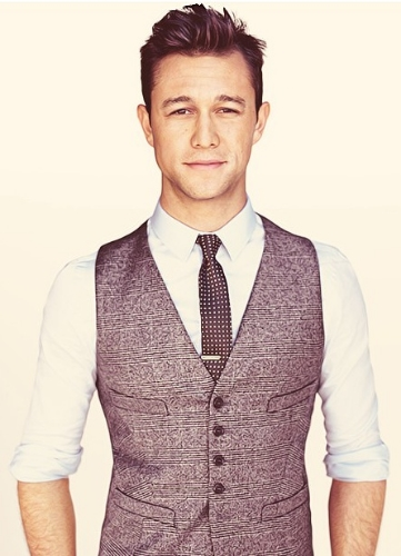 The American who always knows how to wear a waist coat is, hands down, Joseph Gordon-Levitt. This is simply no contest, he is the American equivalent to Tom Hiddleston when it comes to both charm and the epitome on how to wear a waistcoat. ( Photo courtesy of  Waistcoatstyle