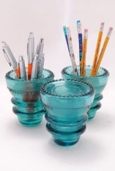 An easy, elegant way to organize pens, pencils, or even paint brushes. Photo via  pinterest .