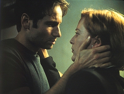 Mulder-and-Scully-the-x-files-79163_430_326.jpg