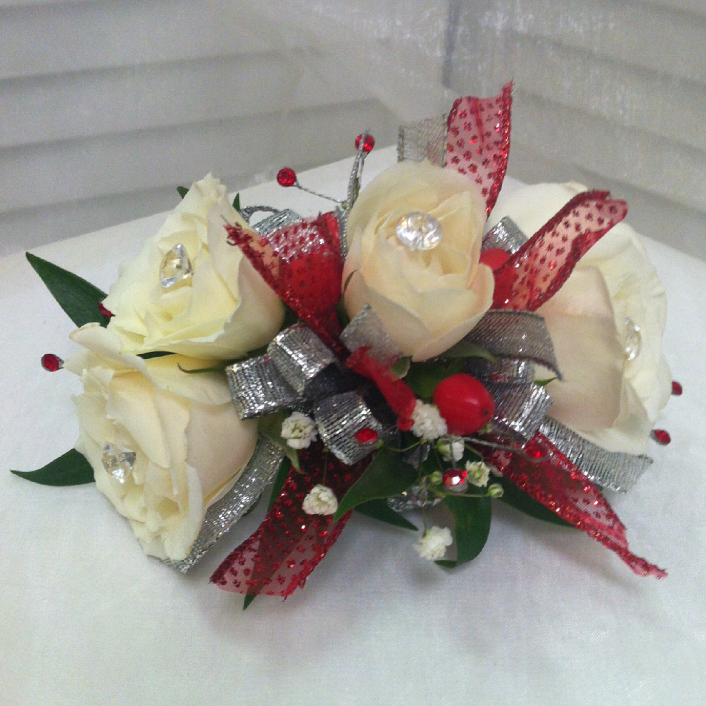 Plus Corsage (30) with Upgraded Bow (2) $32