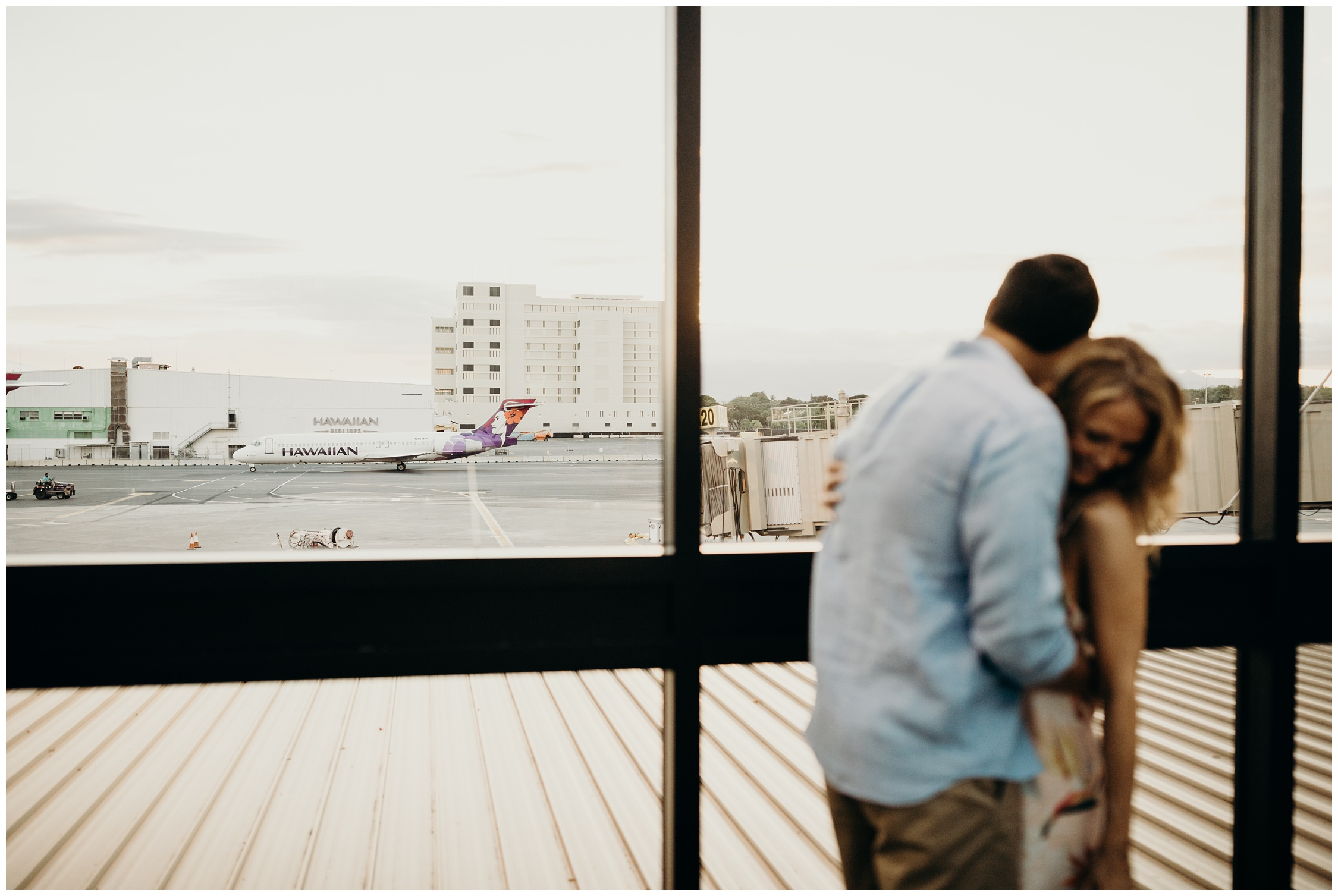Hawaii-Engagement-Photographer-Keani-Bakula-Honolulu-International-Airport_0029.jpg