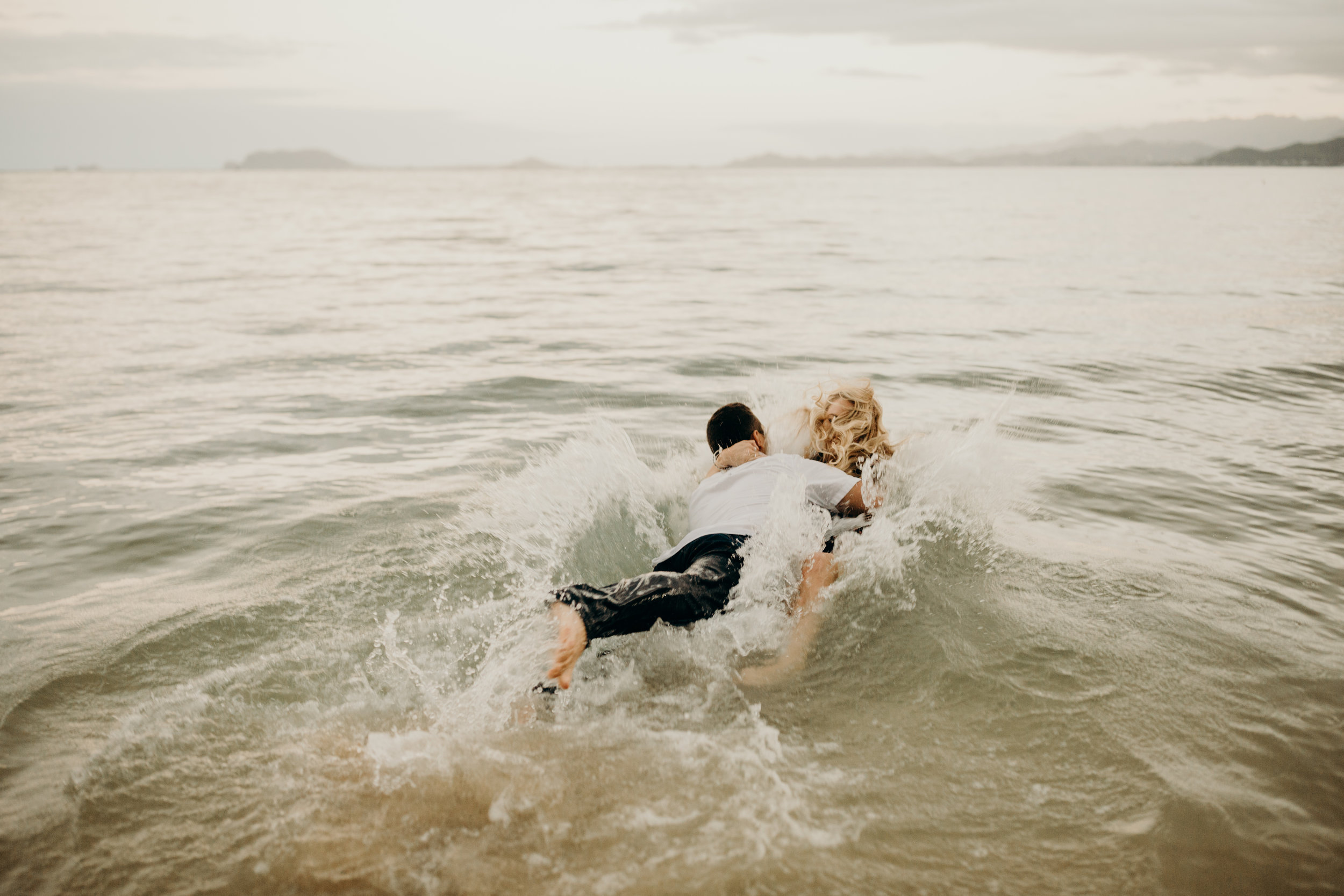 hawaii-engagement-photographer-keani-bakula-kualoa-ranch-18.jpg