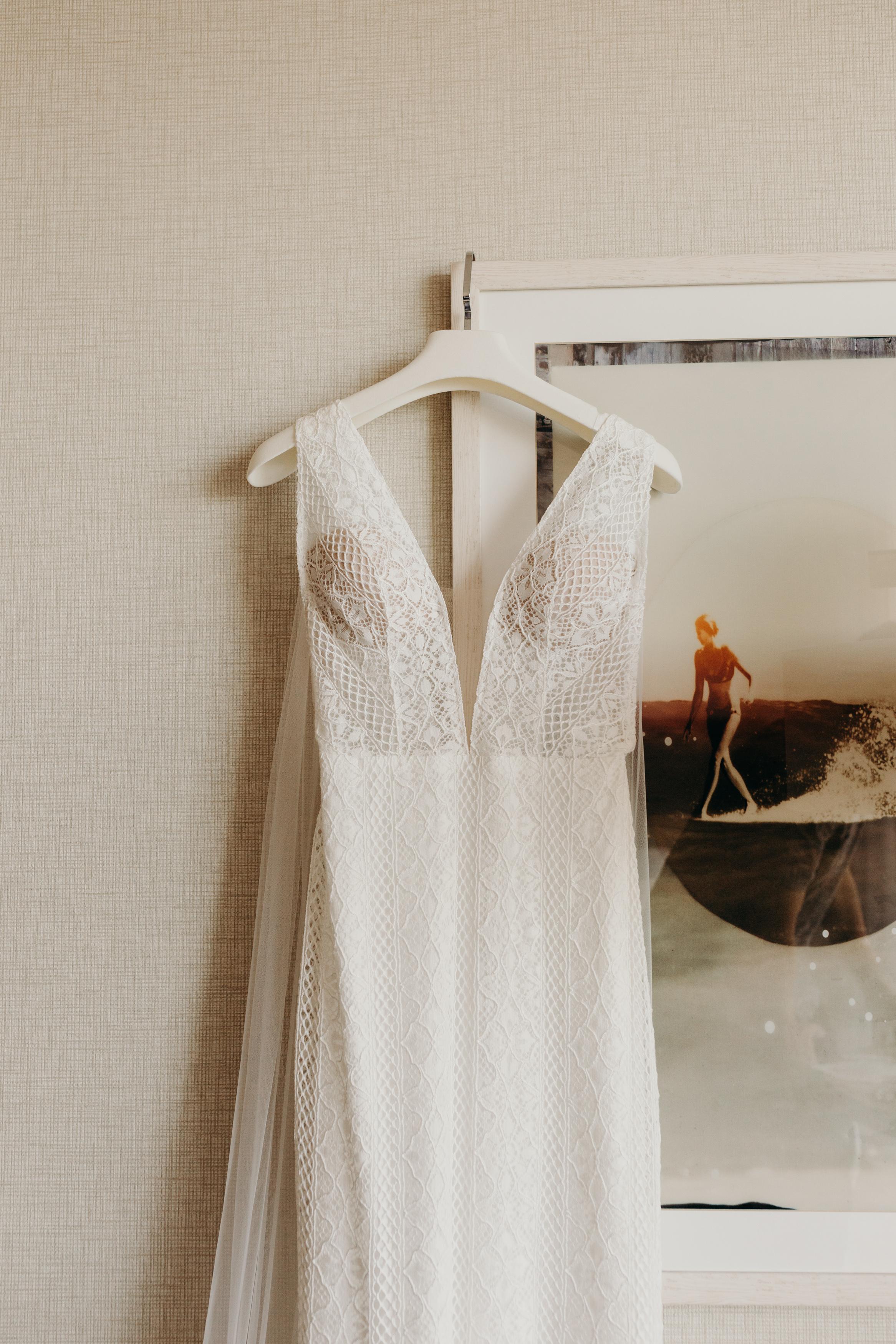 HAWAII-WEDDING-PHOTOGRAPHER-ALOHILANI-RESORT-KEANI-BAKULA-3.jpg
