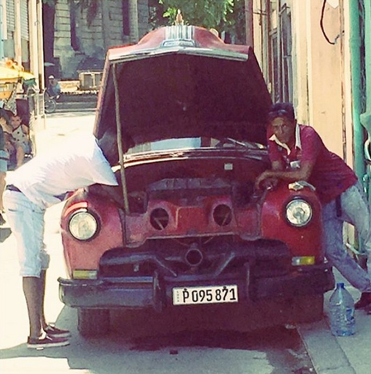 Another one of my favorite candid shots in an alley in Havana.