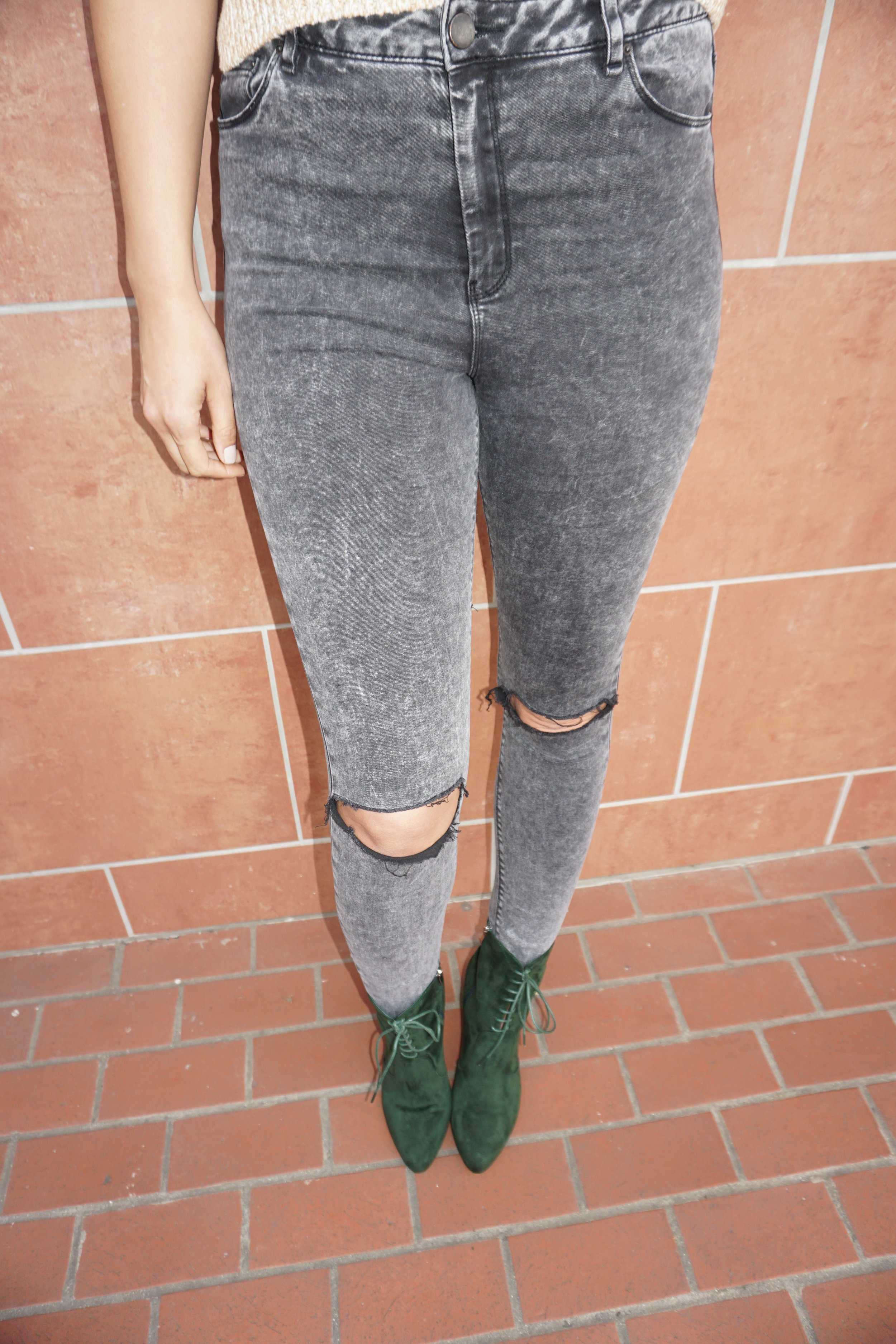 Alicia Jay Blog ASOS tall ripped skinny jeans smash shoes Joyce Forest Green Natural Hair Tall Team Girls spring fro cropped sweater H&M suede 7.JPG