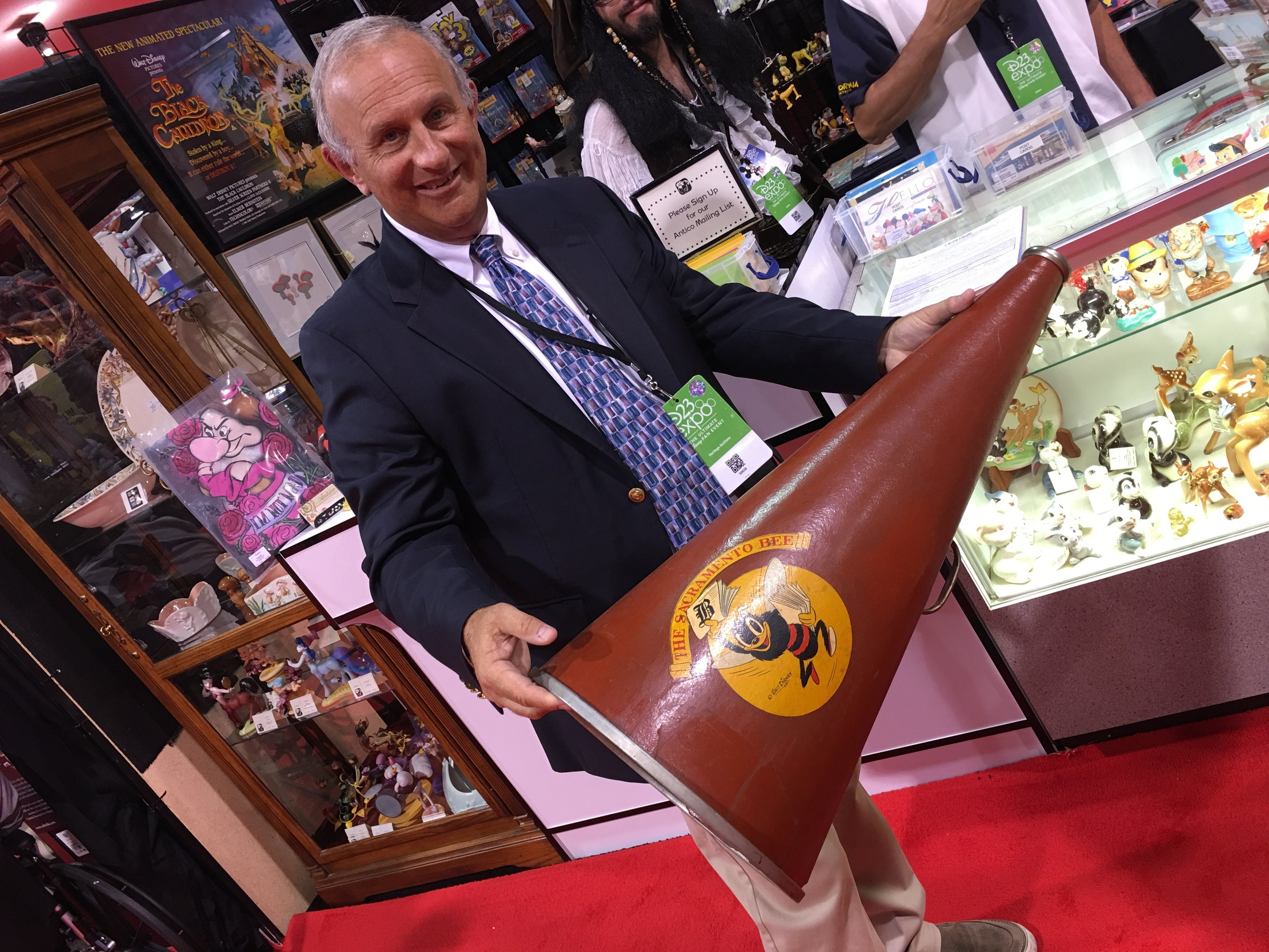 "Antico's extremely unique Sacramento Bee Megaphone with Logo Designed by Hank Porter (Walt Disney, c. 1940s), was discovered by Jim Lentz, Director of Animation Art for Heritage Auctions, at D23 Expo 2017. ""It's the best piece in the whole show!"""