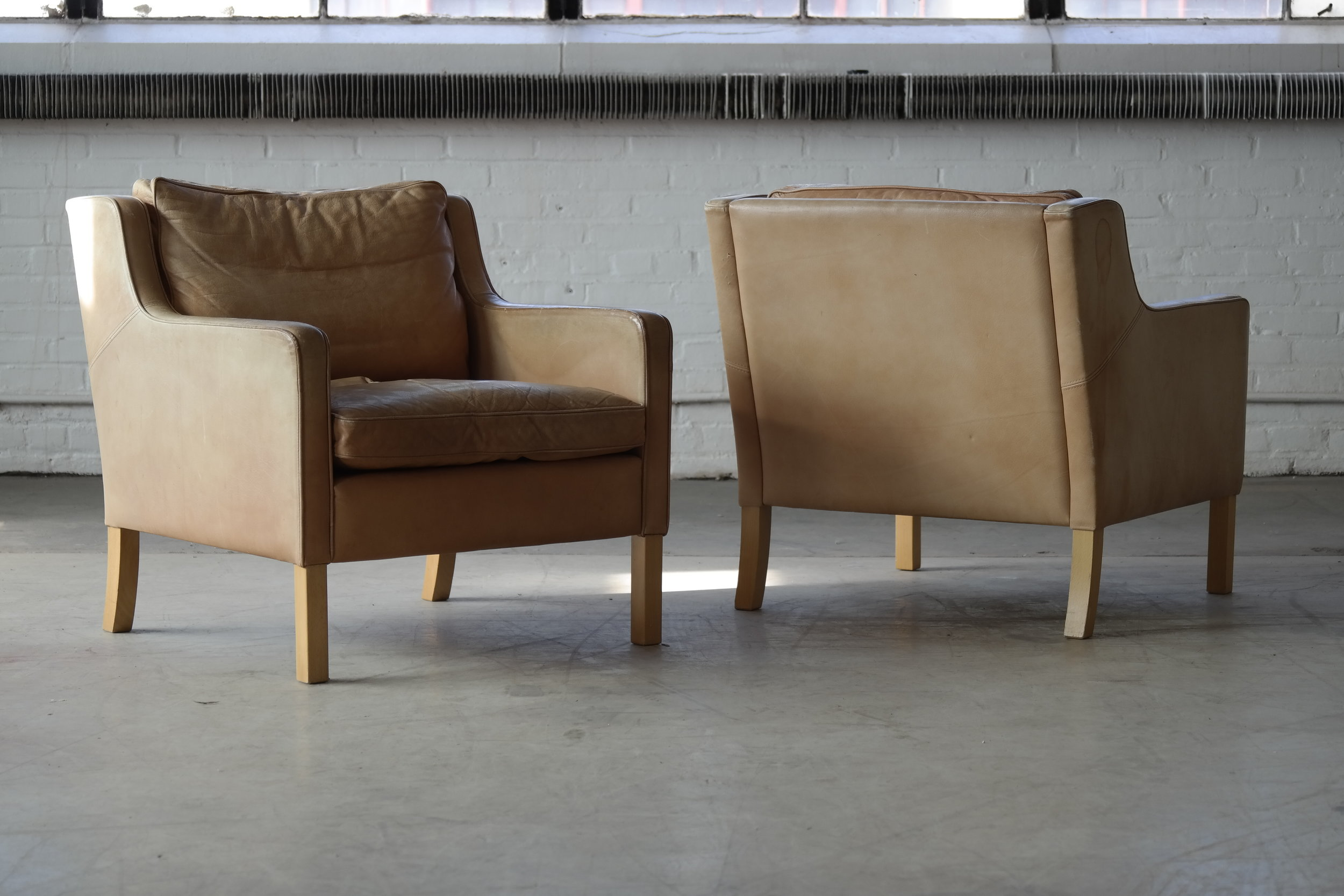 Pair of Lounge Chairs in Tan Leather Børge Mogensen Style Model 2321 by Stouby