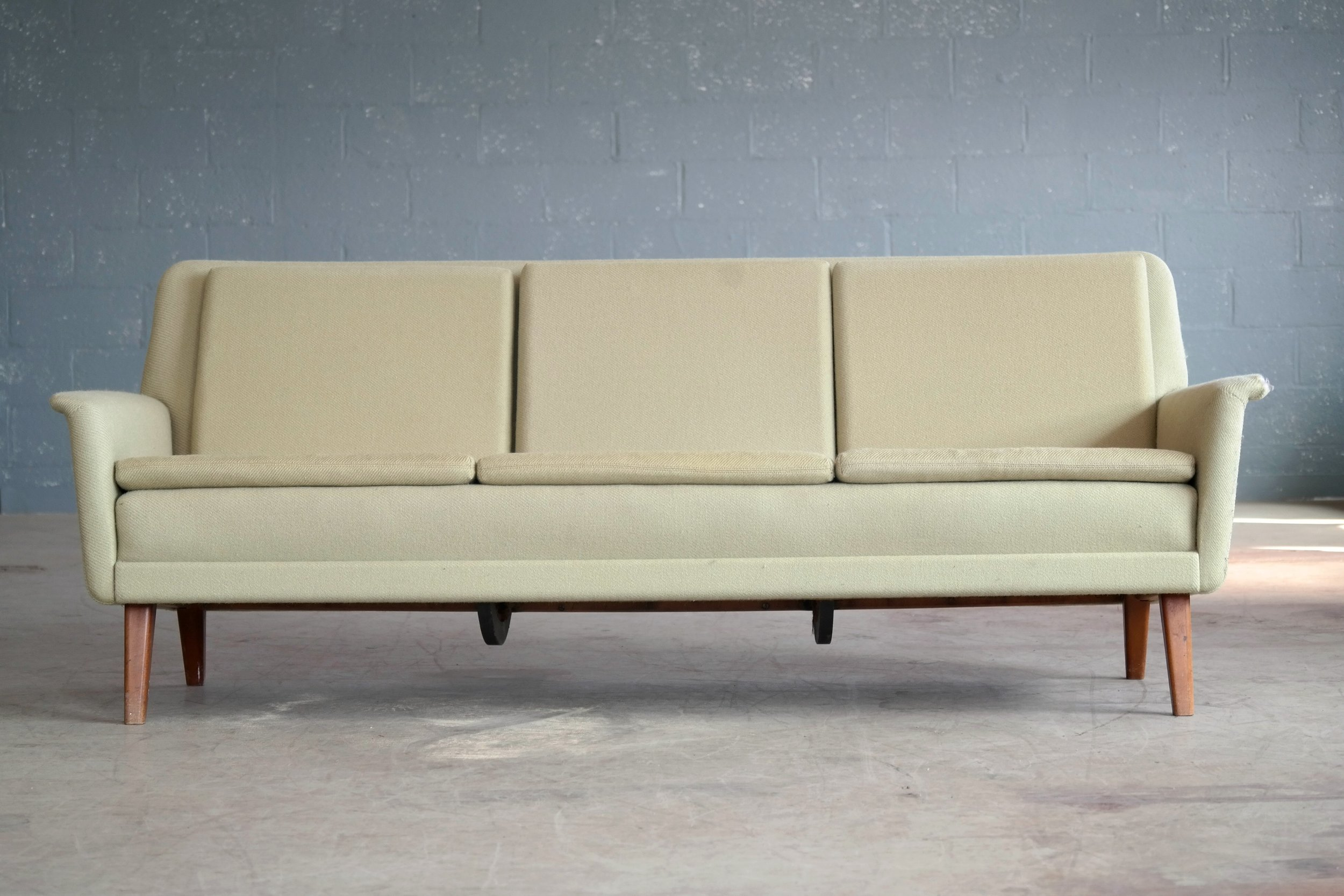 3-seat sofa designed by Folke Ohlsson for Fritz Hansen