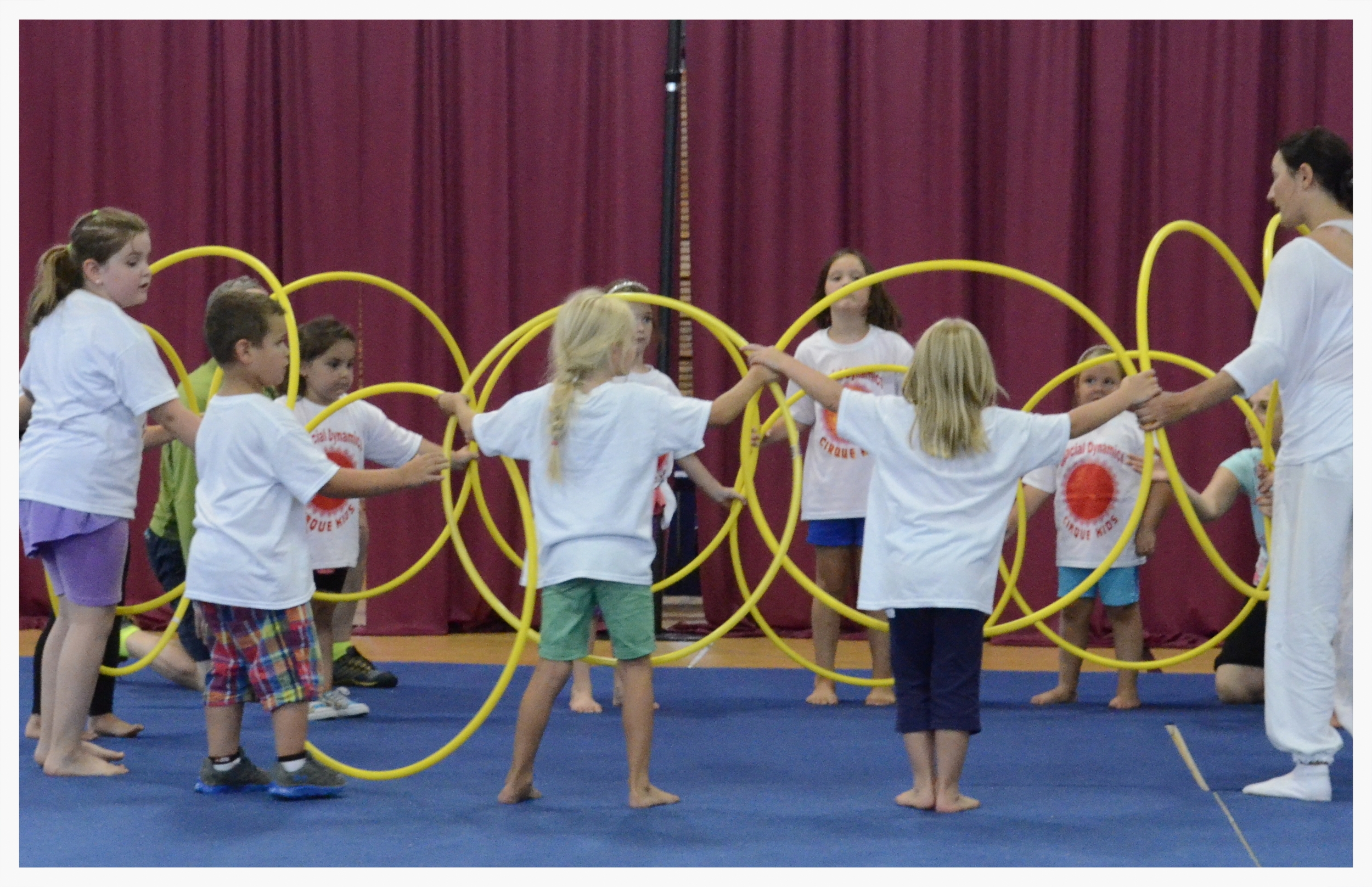 Cirque Kids Hoops.JPG