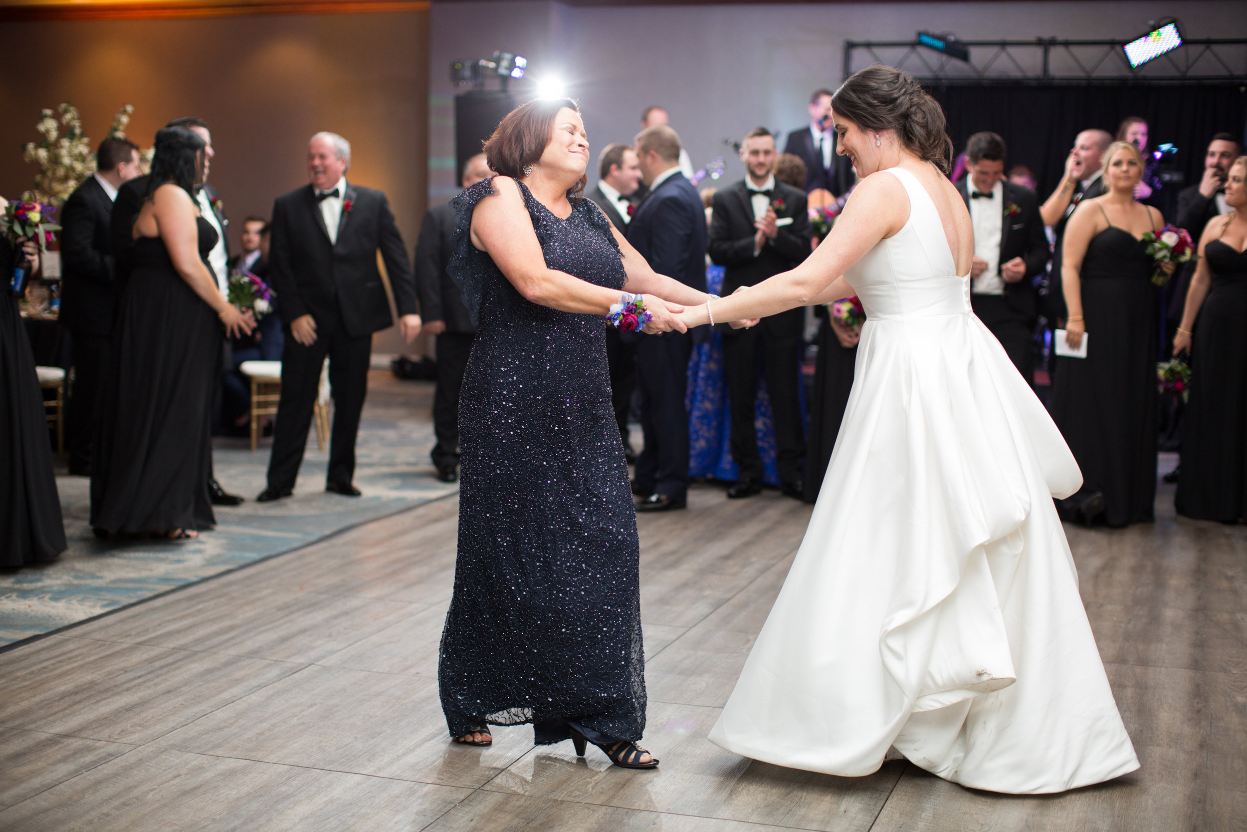 Hilton Scranton PA Wedding Photos_JDP-128.jpg