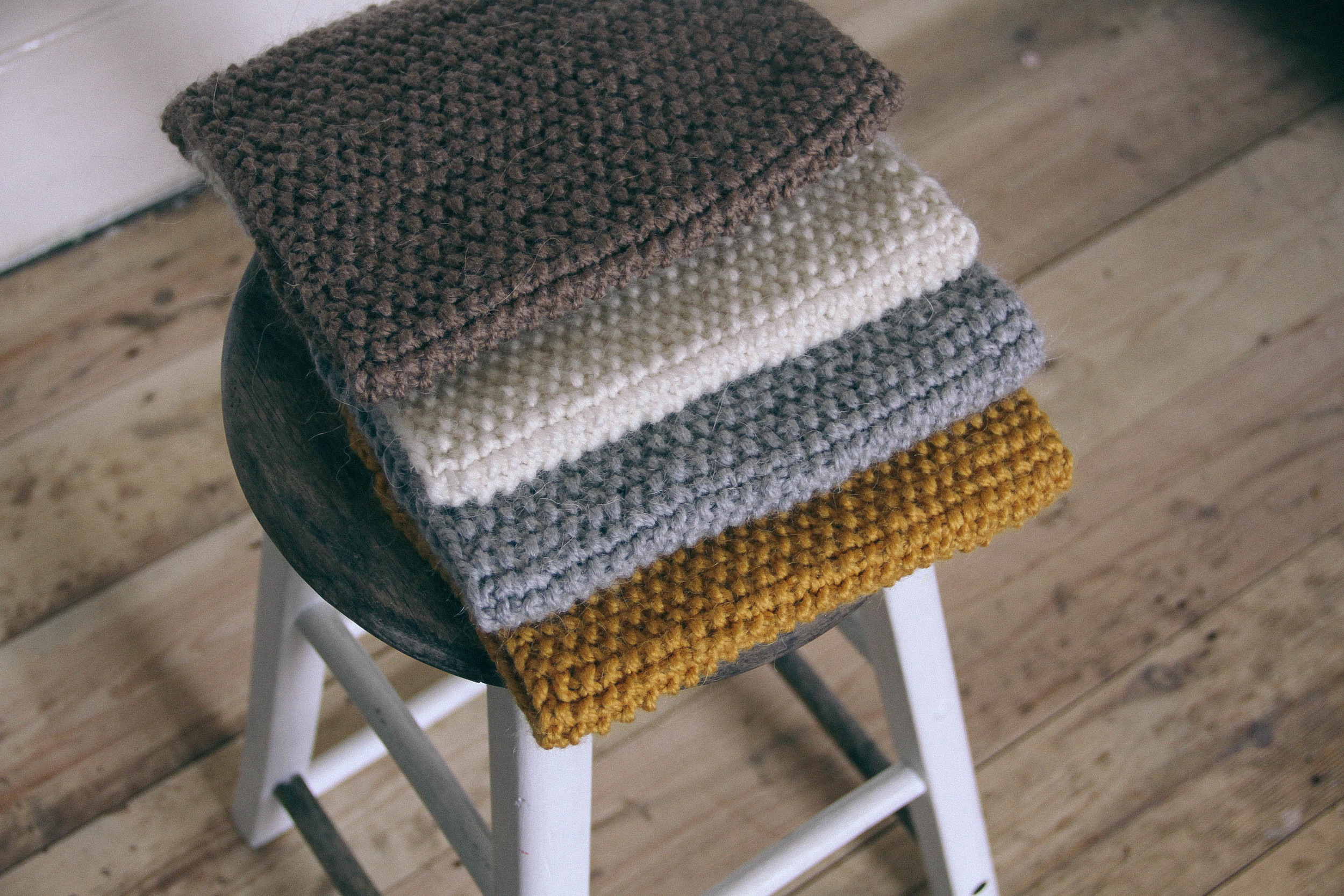 4 hand knitted cowls