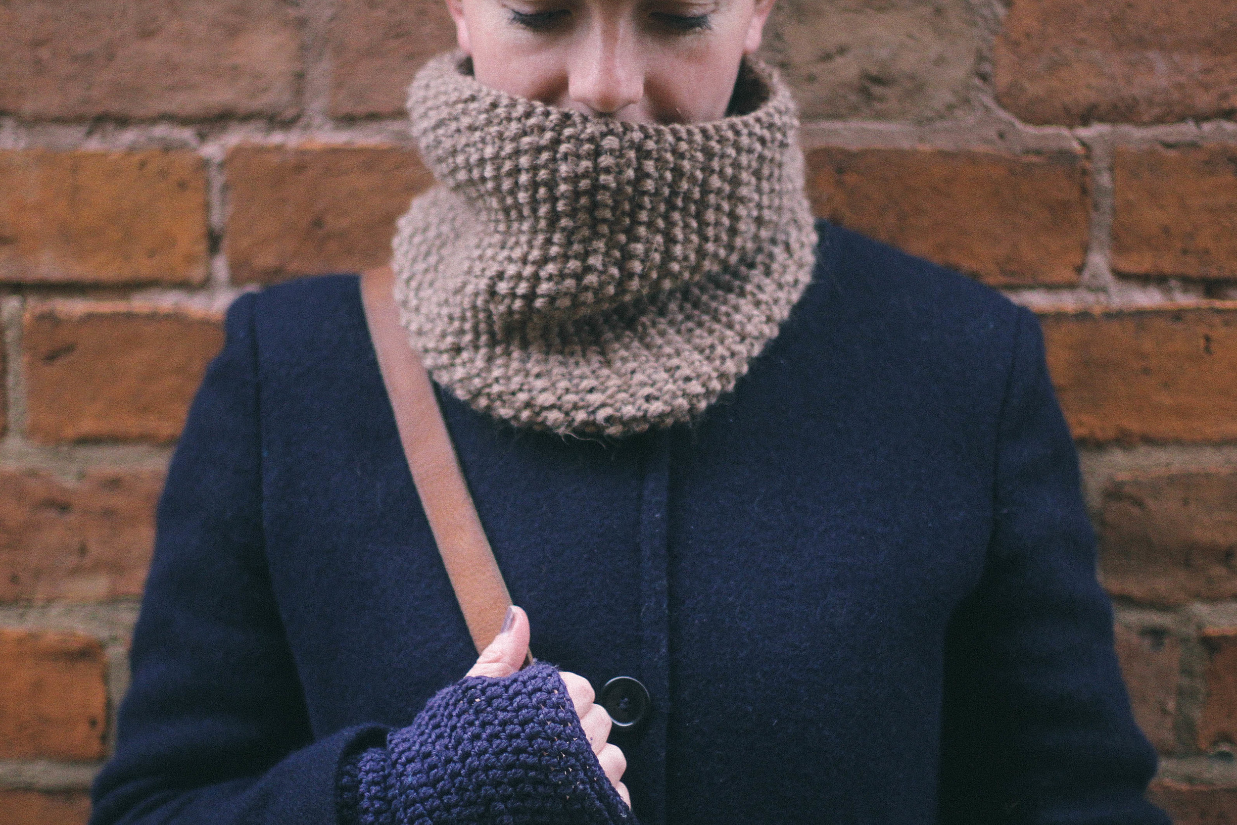brown knitted cowl