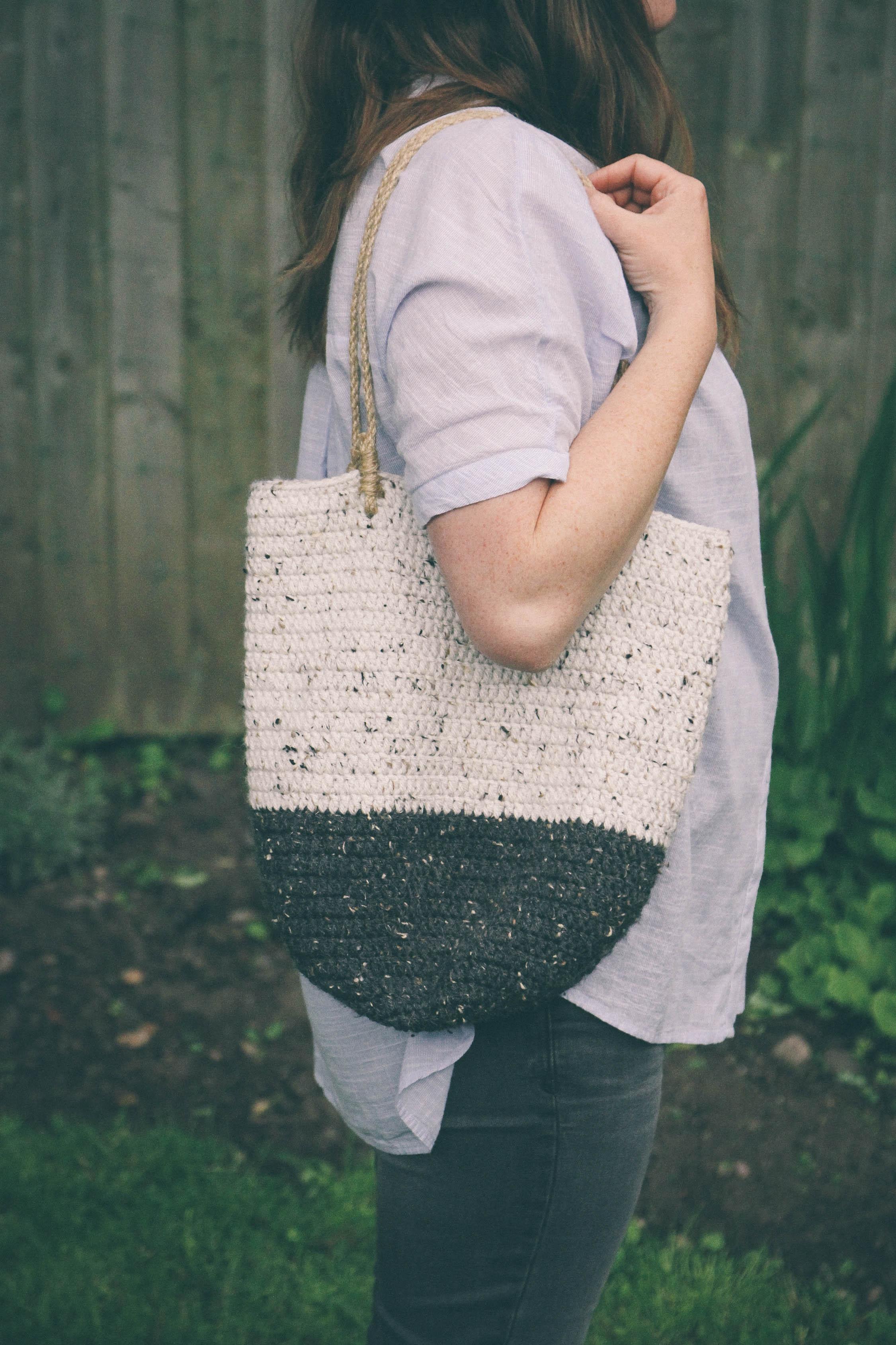 crocheted wool shoulder bag - carolyn carter