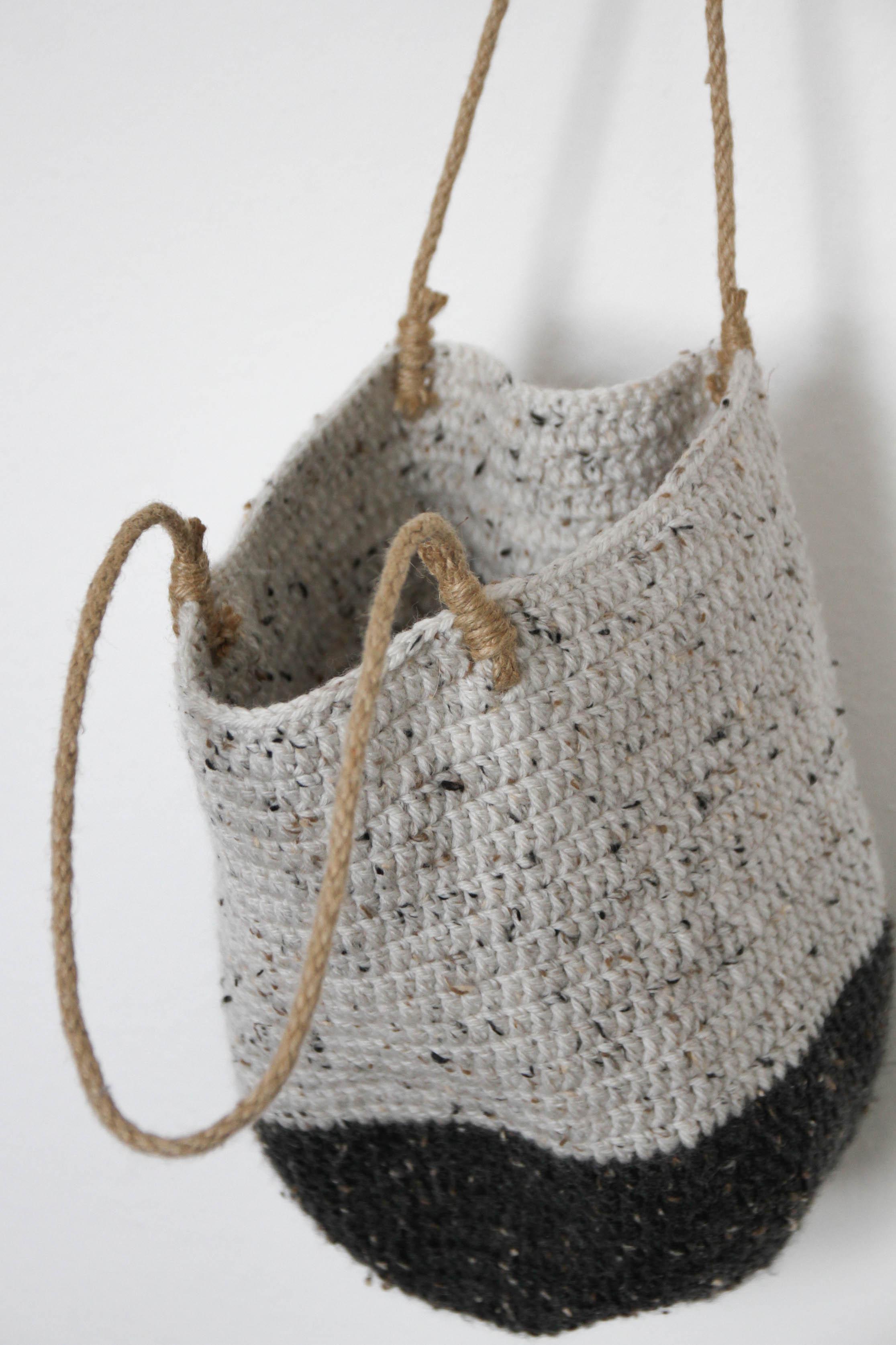 crochet wool shoulder bag - carolyn carter