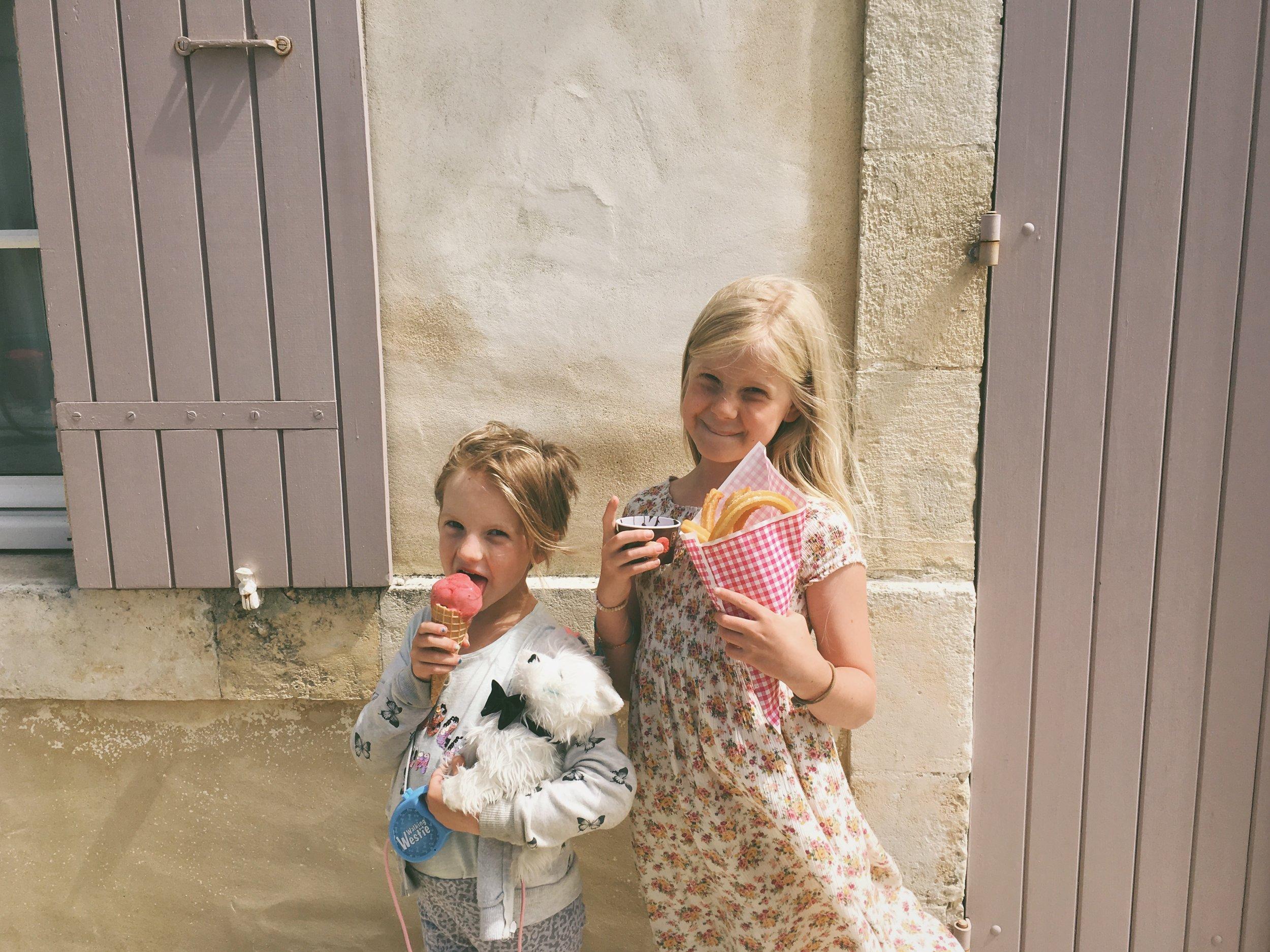 Françaises Vacances - Carolyn Carter Blog