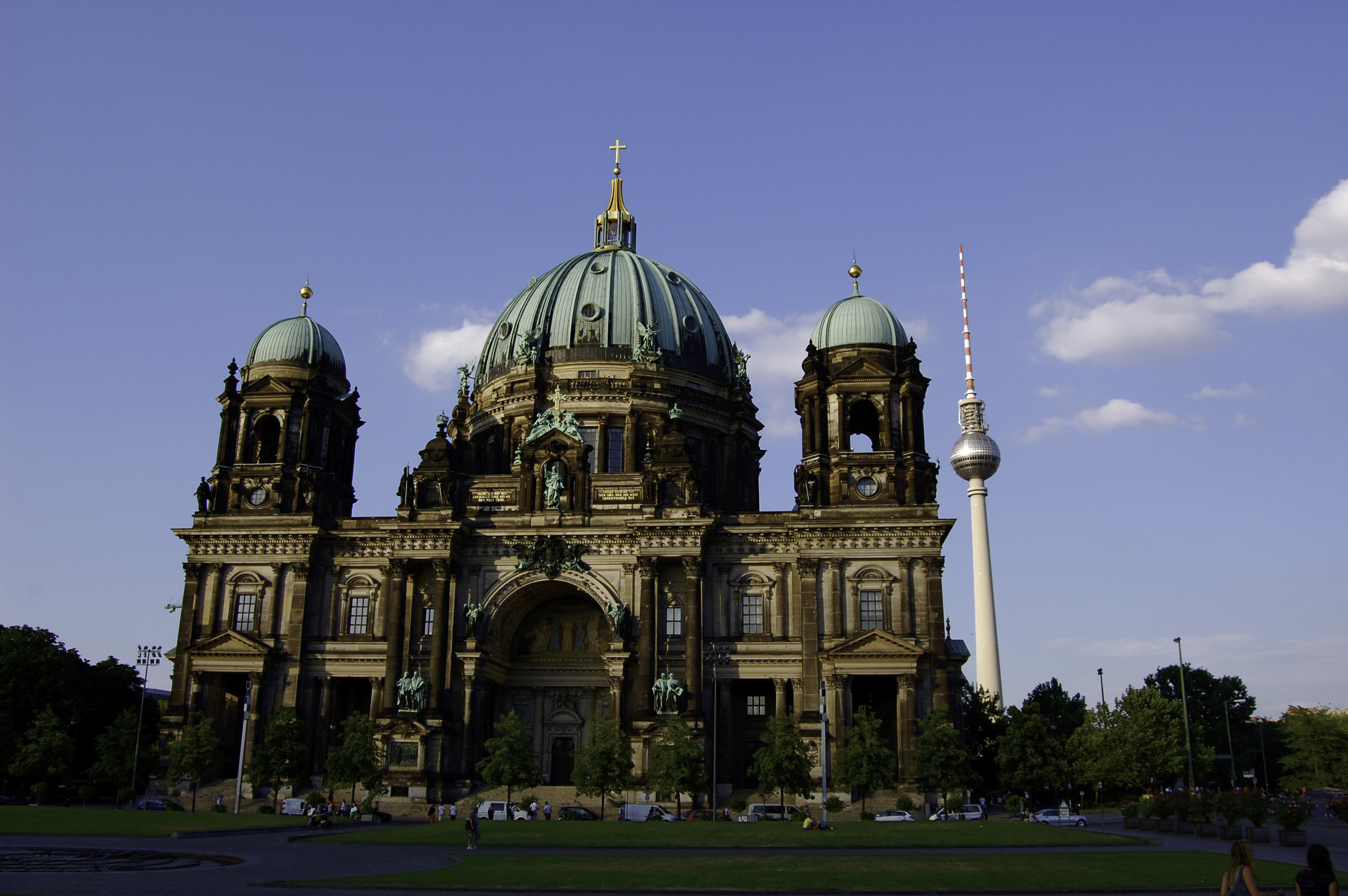 berlin-germany-europe-travel-explore-adventure-architecture-night-food-international-beauty-look-authentic-1003.jpg