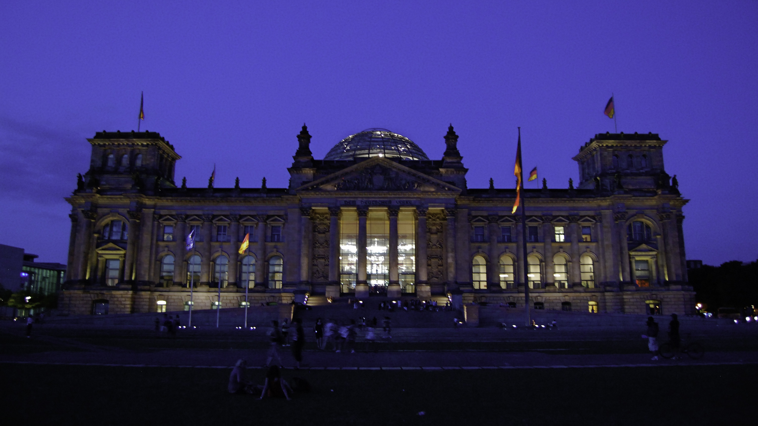 berlin-germany-europe-travel-explore-adventure-architecture-night-food-international-beauty-look-authentic-1005.jpg