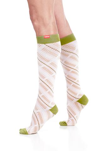 vimvigr-women-plaid-pink-olive-cotton-compression-socks-1_large.png