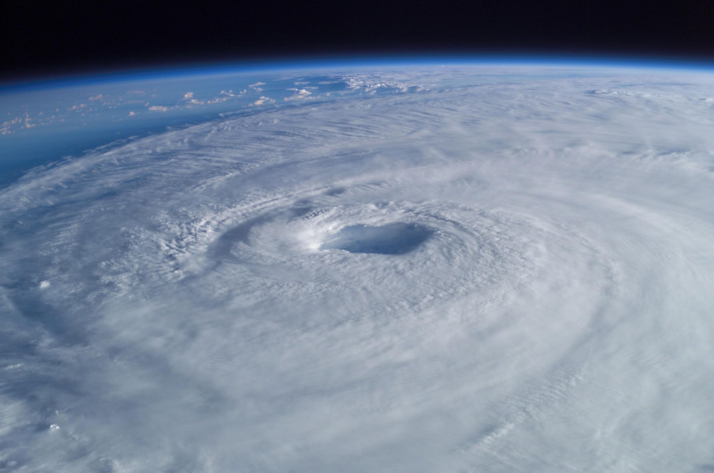 2003 Hurricane Isabel  ( Mike Trenchard | Johnson Space Center )