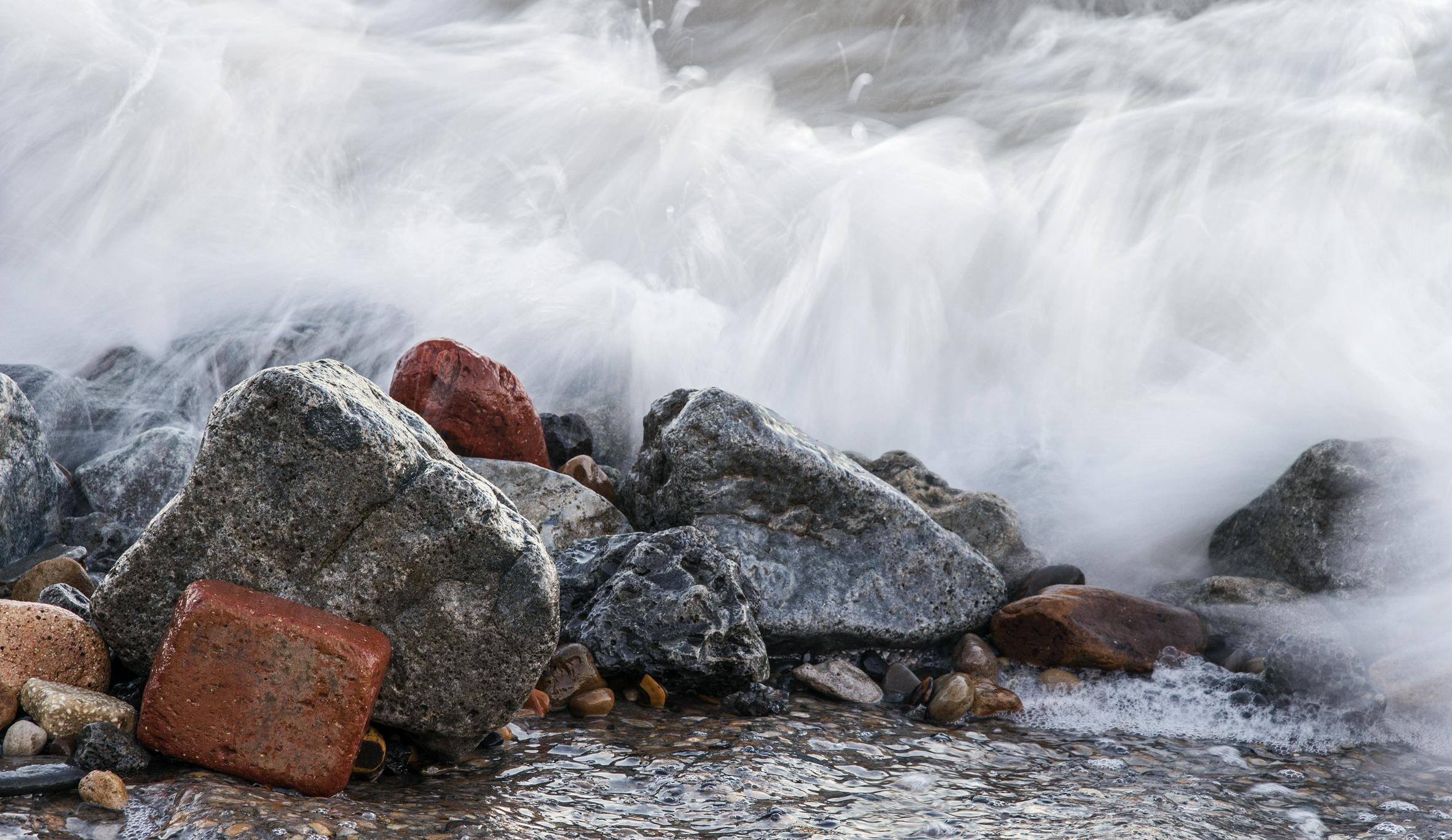 Skinningrove - incoming tide