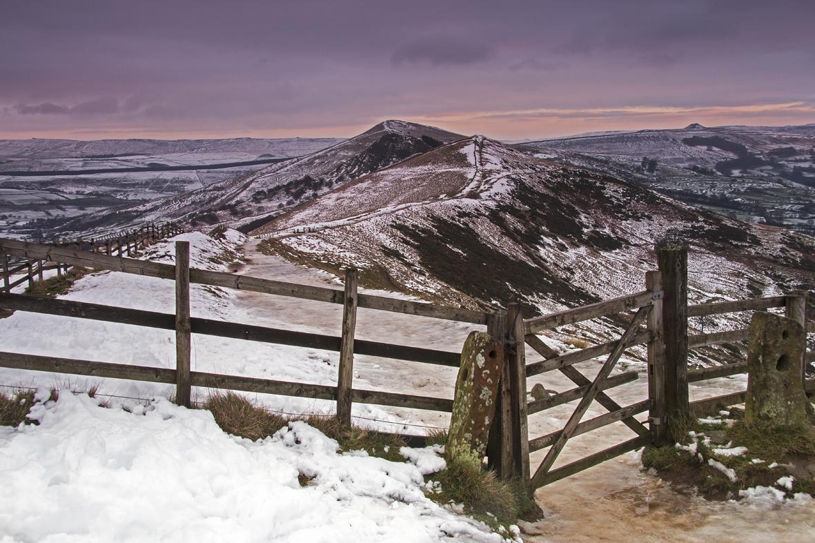 Mam Tor - path along the ridge