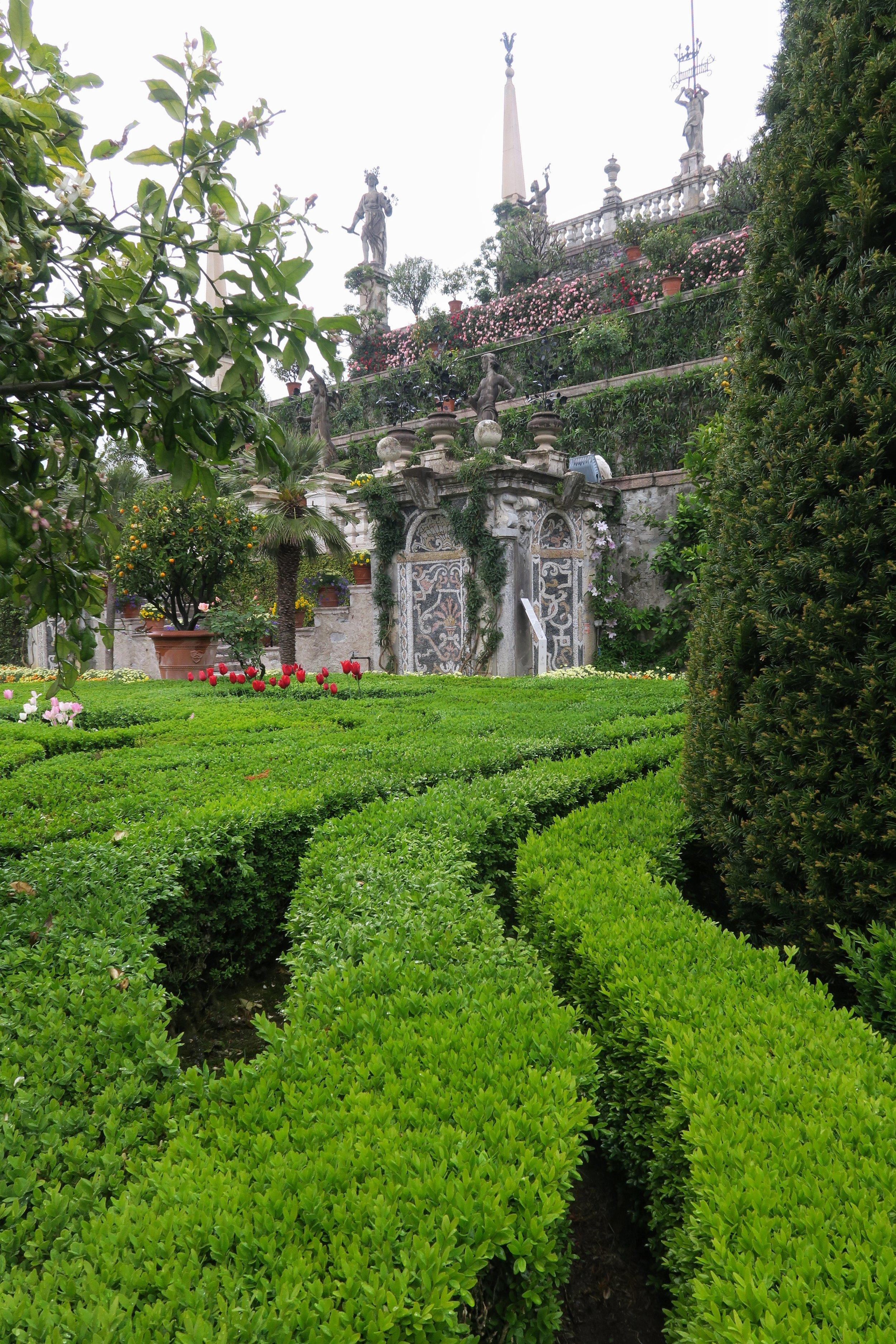 Isola Bella topiary