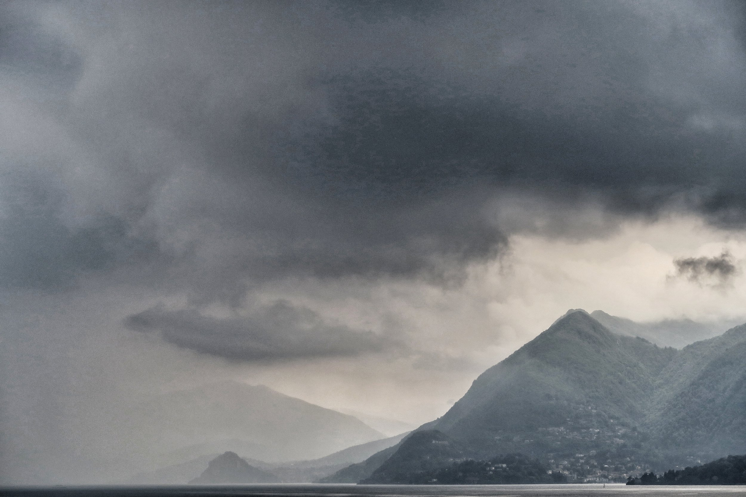 Morning cloud at Laveno