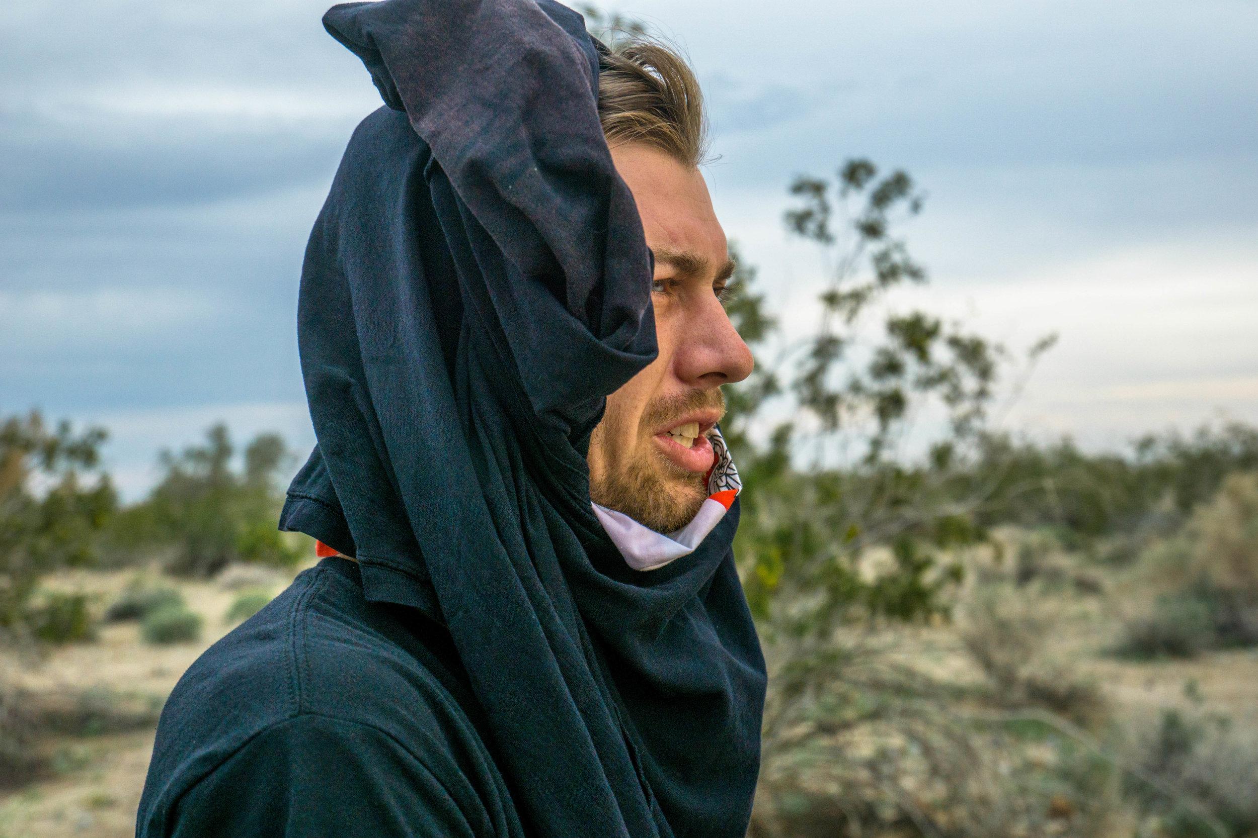 Like proper desert sultans, we wrap ourselves in garbs & make-shift headcloths.