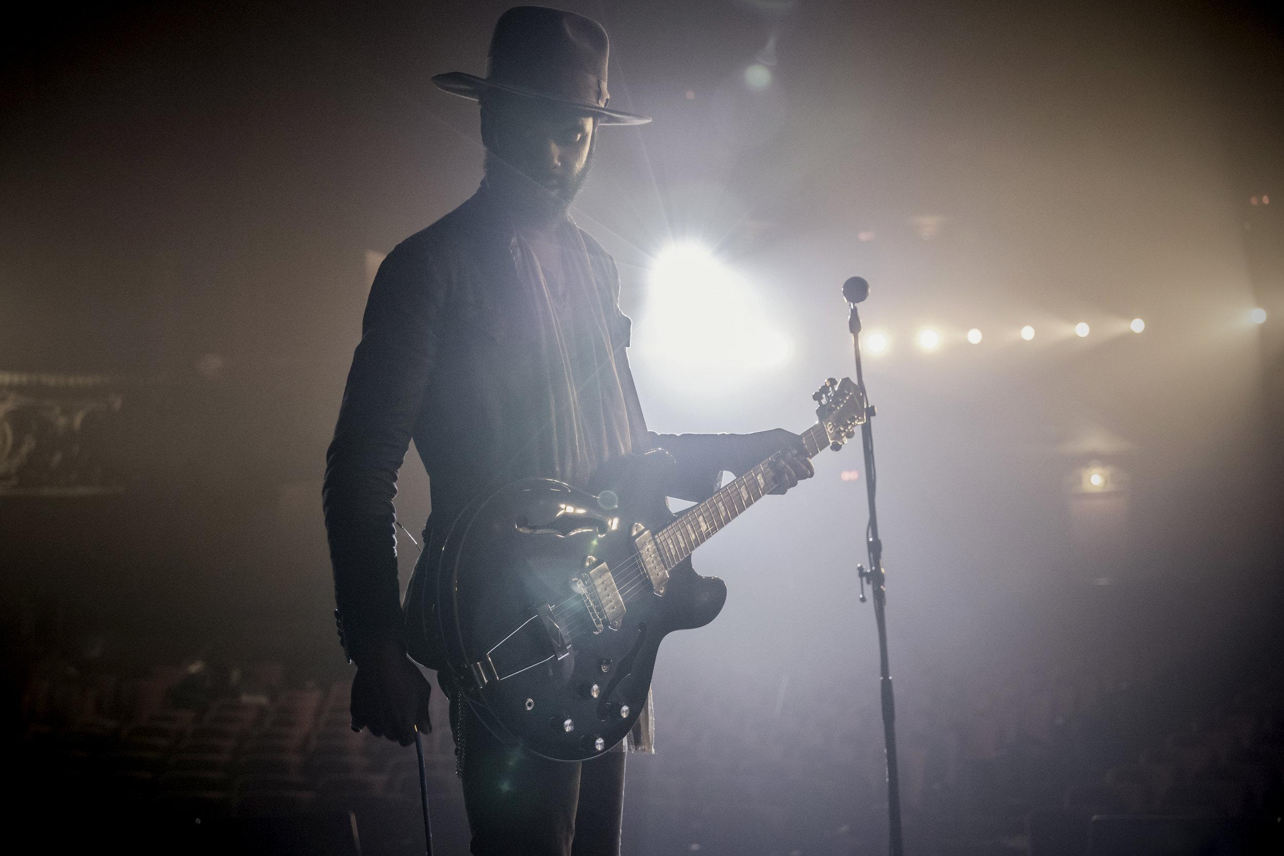 Gary Clark Jr performing