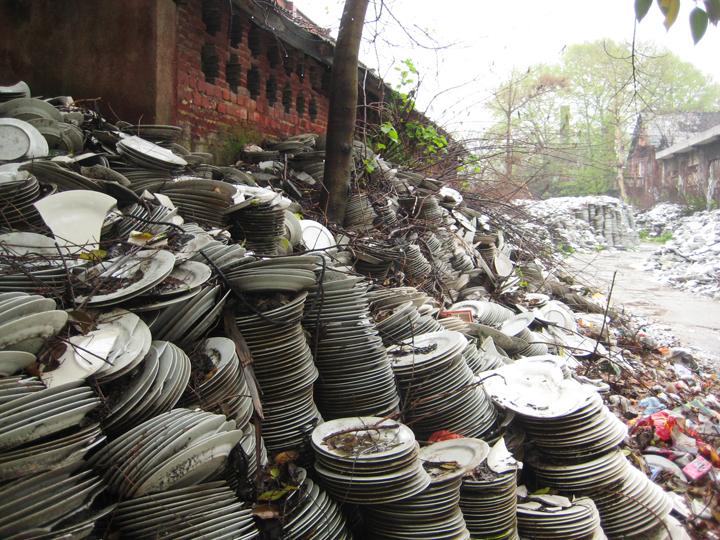 Flawed Plates, Jingdezhen, China    Visit  www.recycledchina.com