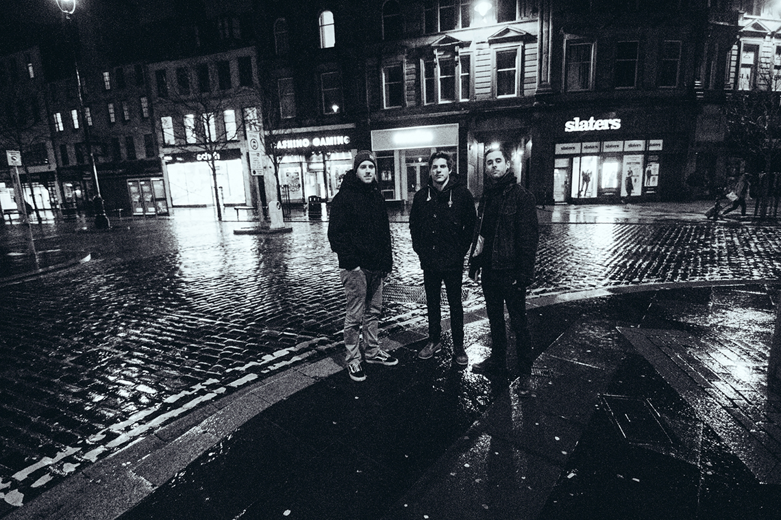 Our-Last-Night-2014-Dundee-UK-by-Matty-Vogel-03.jpg
