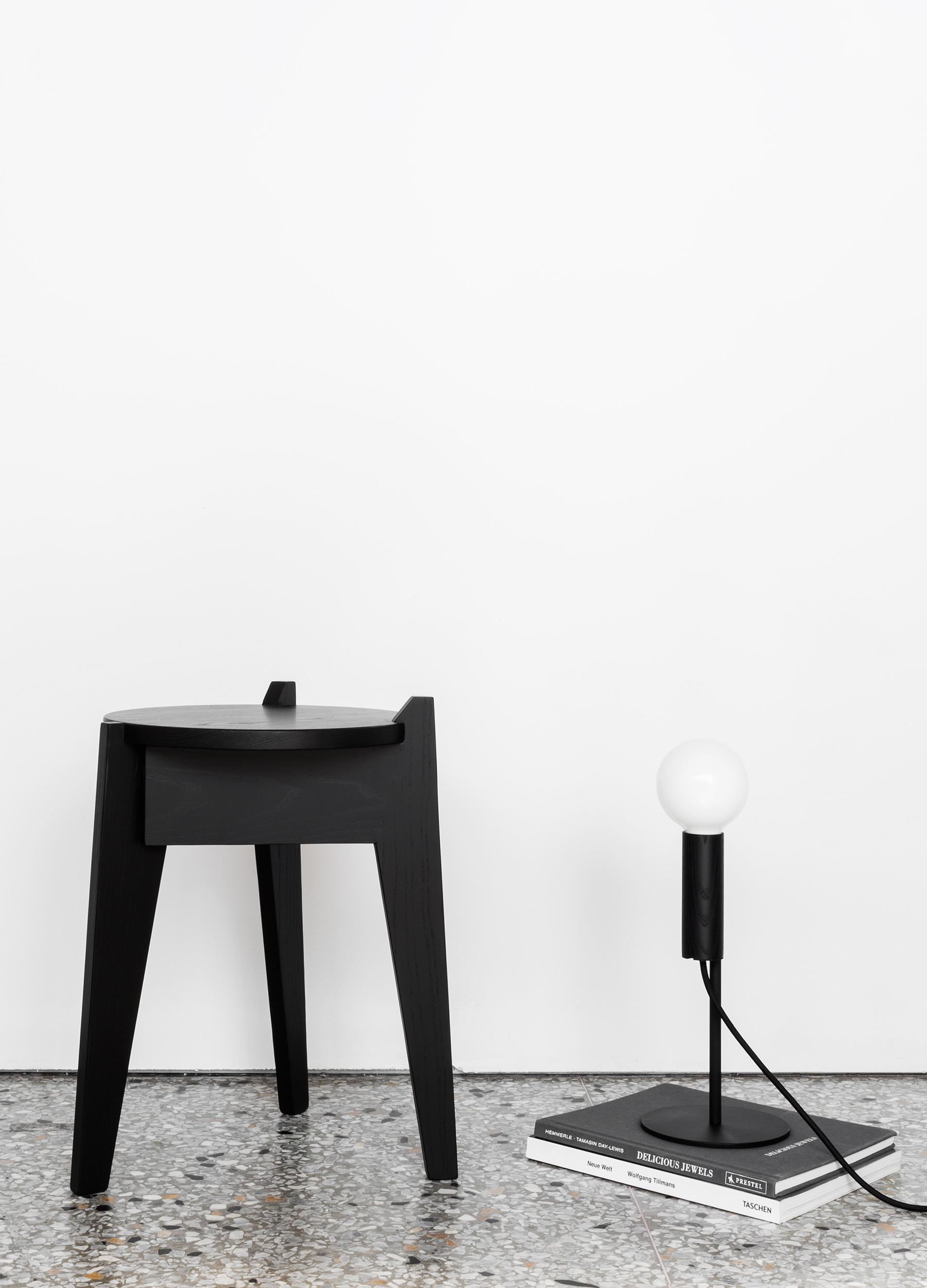 Milk stool dark green 01-1.jpg